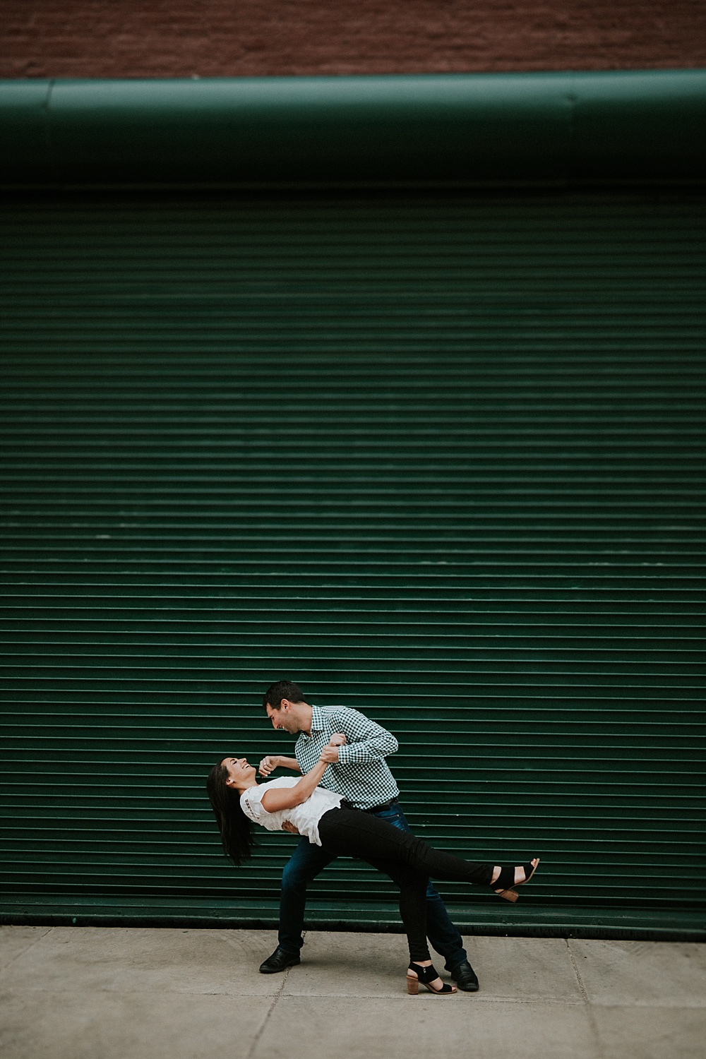 scott-alyse_West-Loop-Chicago_Engagement-Session_Liller-Photo_0004.jpg