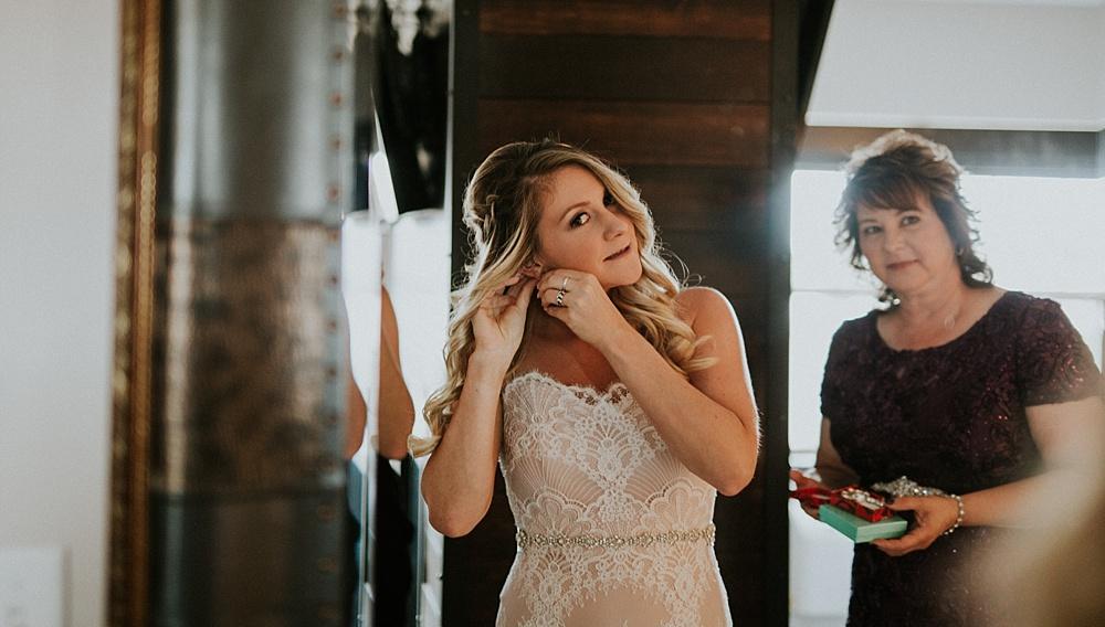 Mike-Amanda-Pavilion-at-Orchard-Ridge-wedding_0015.jpg