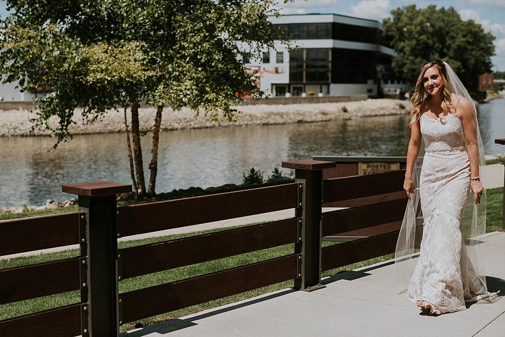 Mike-Amanda-Pavilion-at-Orchard-Ridge-wedding_0022.jpg