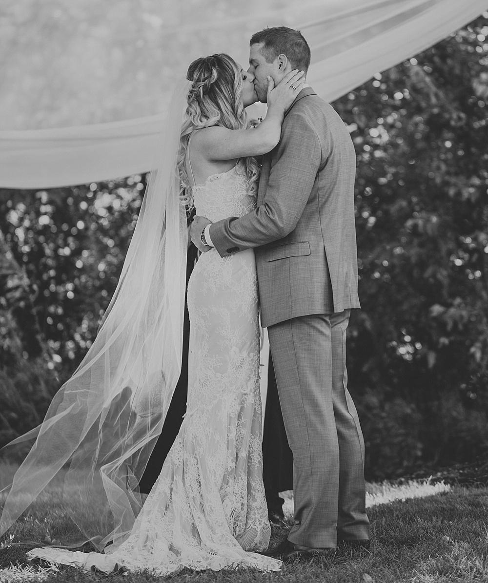 Mike-Amanda-Pavilion-at-Orchard-Ridge-wedding_0048.jpg