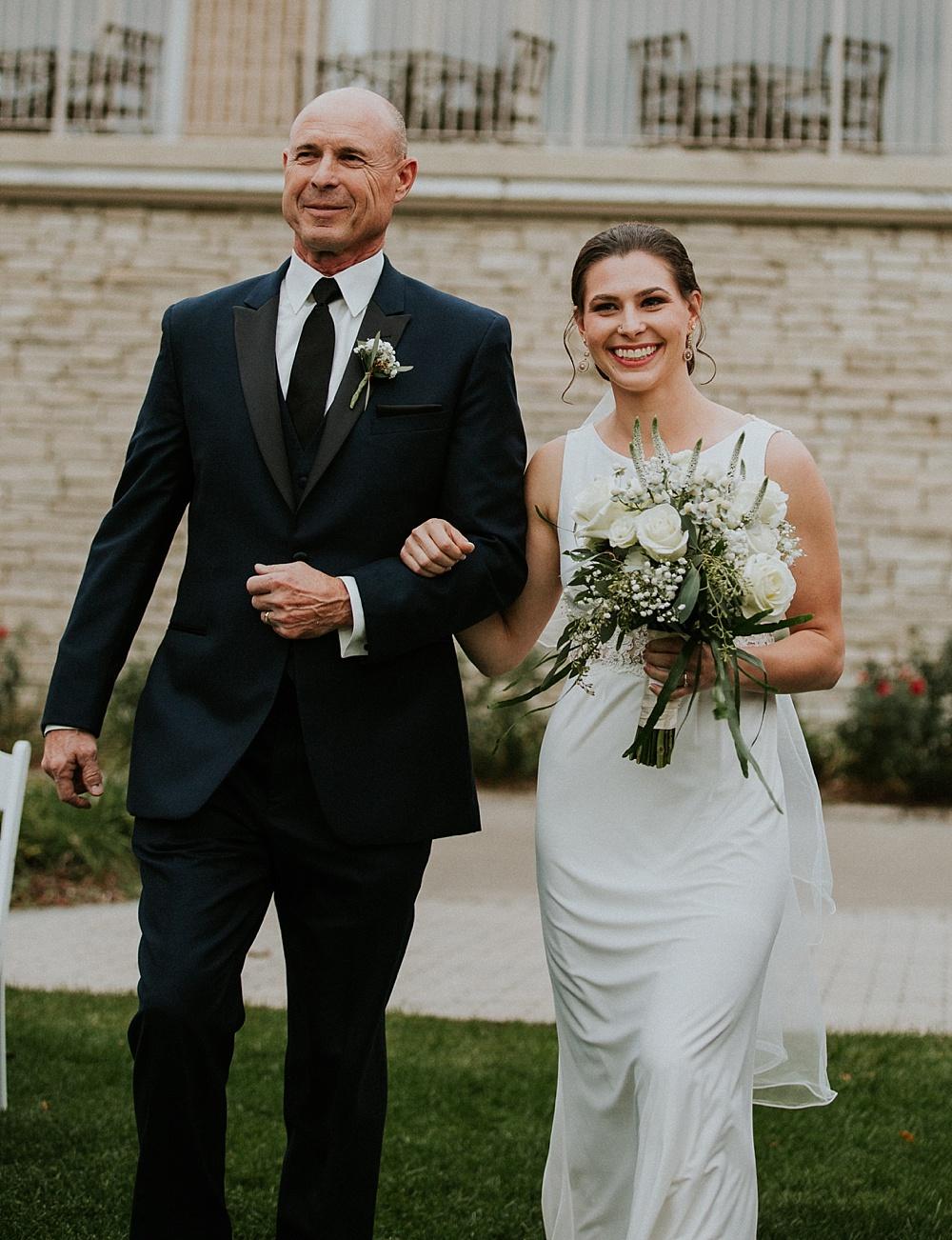 Mike-Stephanie_chicago_wedding_liller-photo-00028.jpg