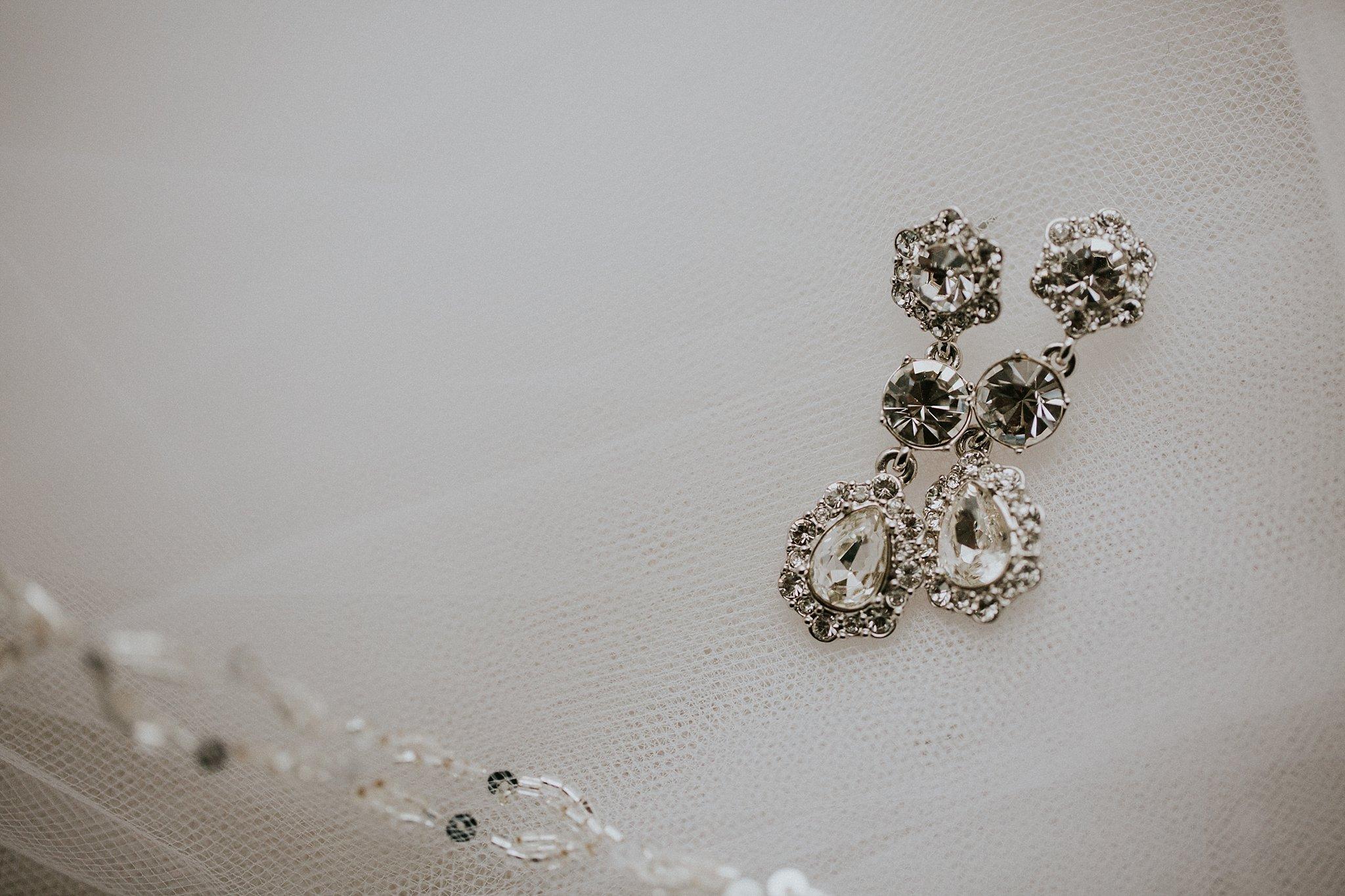 Matt-Lauren_St-Marys_Hilton-City-Center-Milwaukee-Wedding_liller-photo_0002.jpg