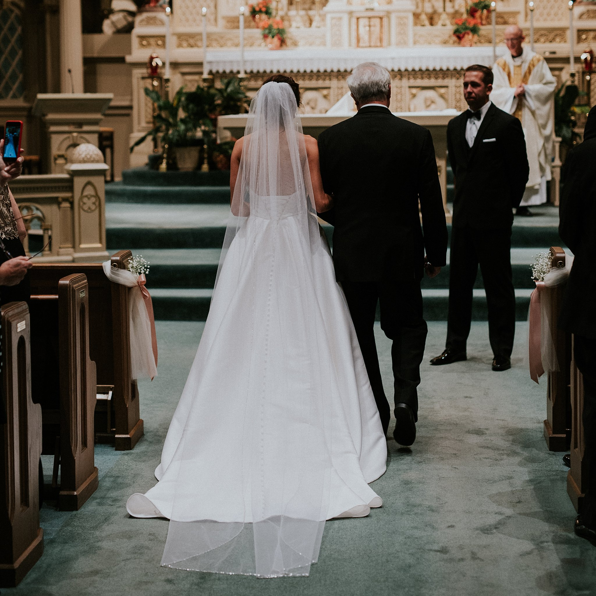 Matt-Lauren_St-Marys_Hilton-City-Center-Milwaukee-Wedding_liller-photo_0017.jpg