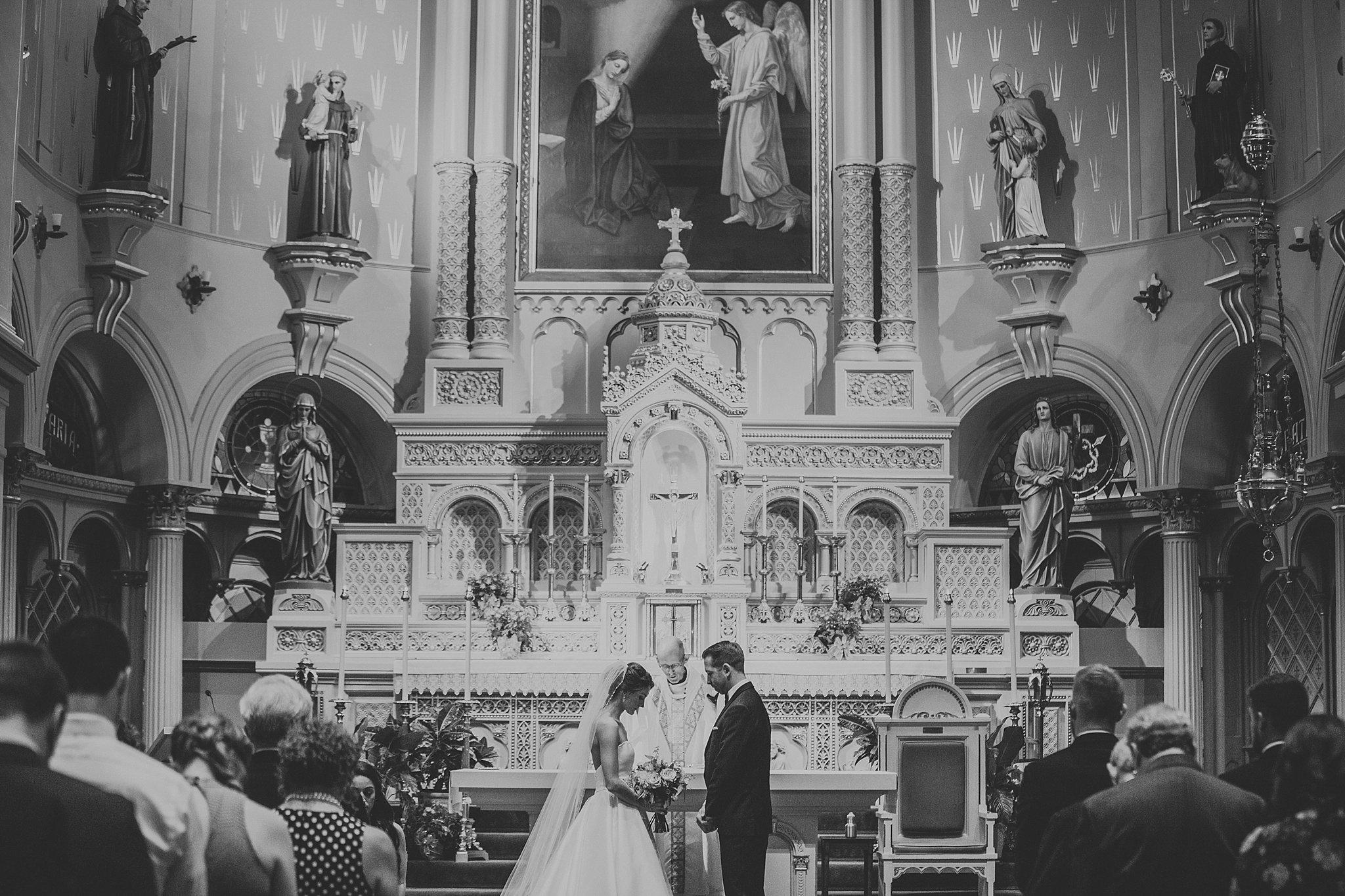 Matt-Lauren_St-Marys_Hilton-City-Center-Milwaukee-Wedding_liller-photo_0025.jpg