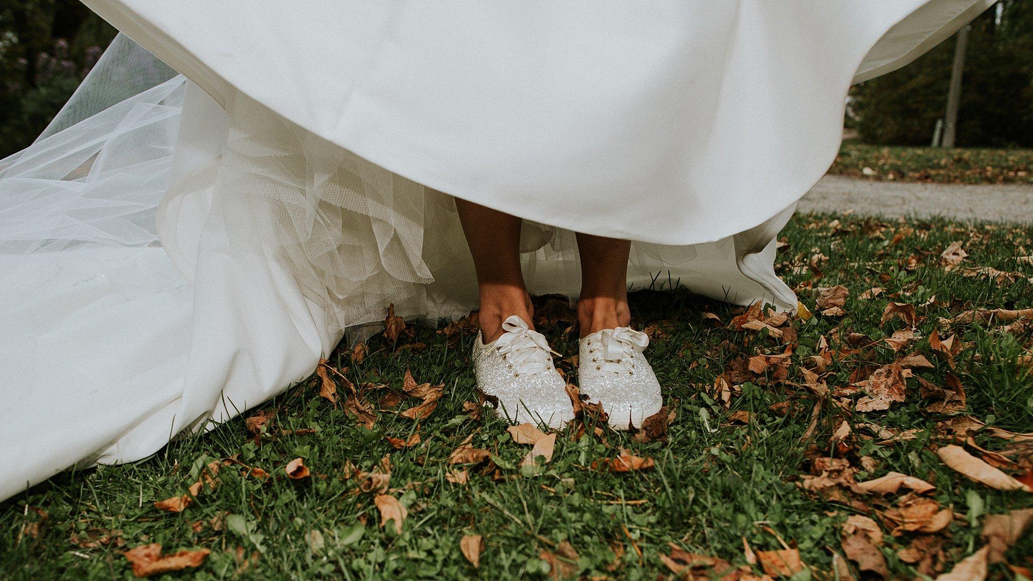 Matt-Lauren_St-Marys_Hilton-City-Center-Milwaukee-Wedding_liller-photo_0051.jpg