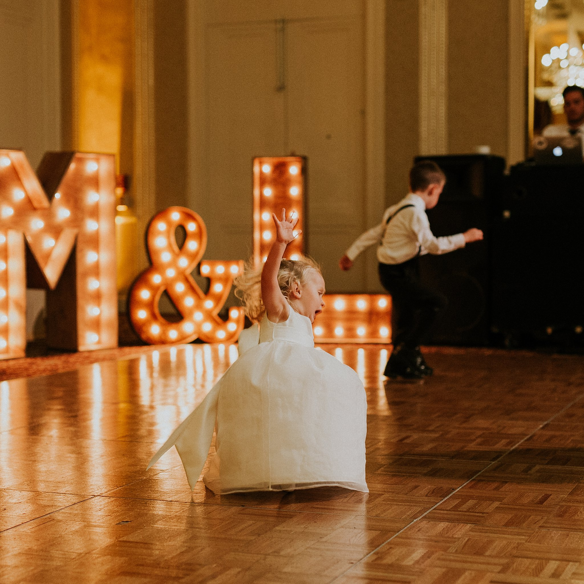 Matt-Lauren_St-Marys_Hilton-City-Center-Milwaukee-Wedding_liller-photo_0078.jpg
