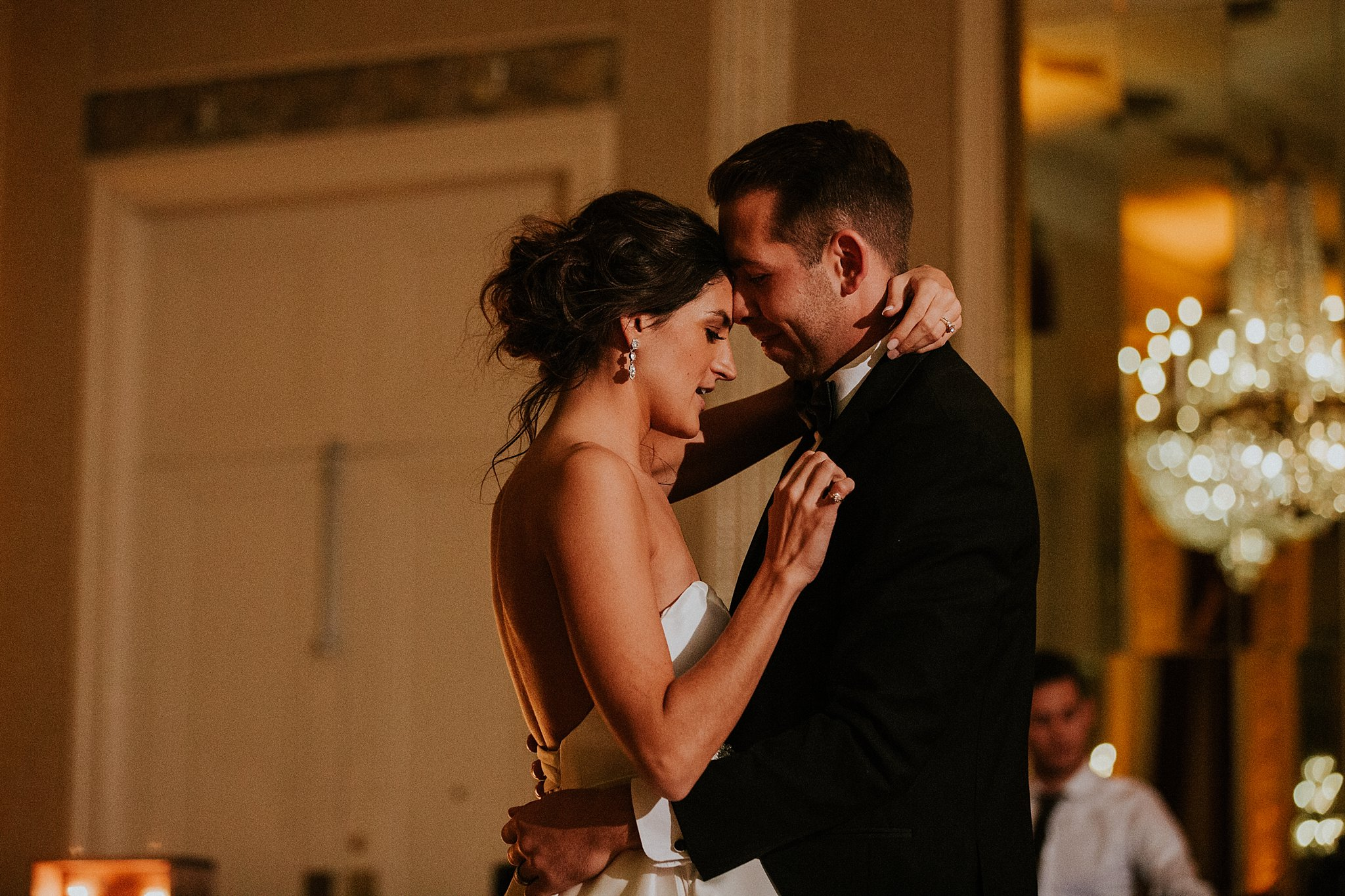 Matt-Lauren_St-Marys_Hilton-City-Center-Milwaukee-Wedding_liller-photo_0090.jpg