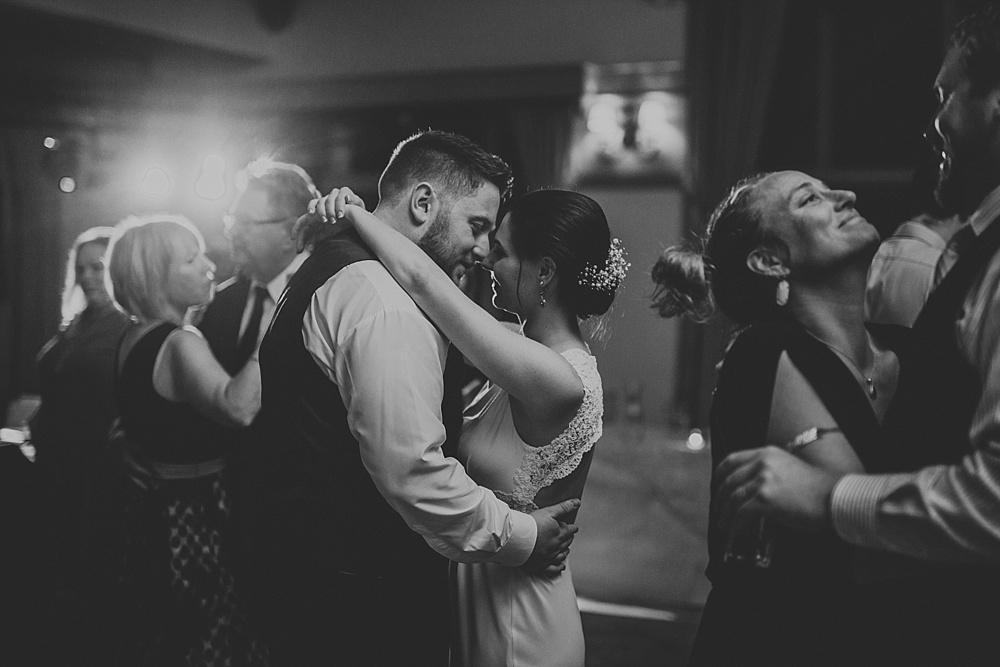 Mike-Stephanie_chicago_wedding_liller-photo-00072.jpg