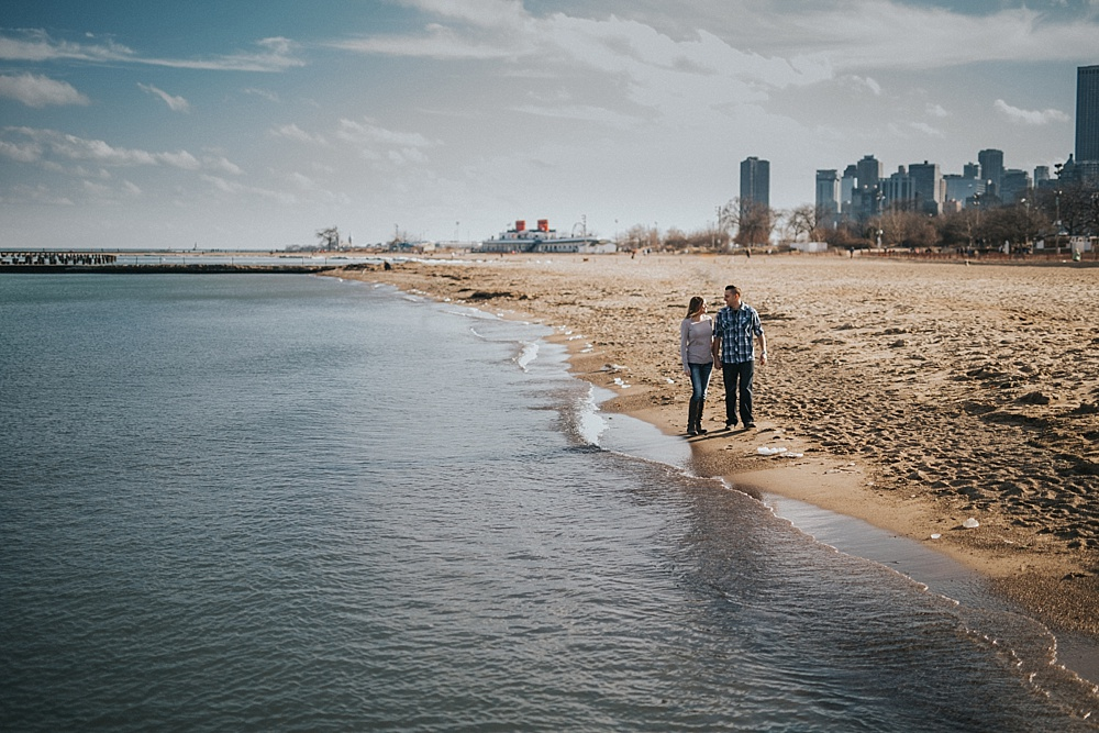 mike-felicia-chicago-lincoln-park-engagement-session_liller-photo_0001.jpg