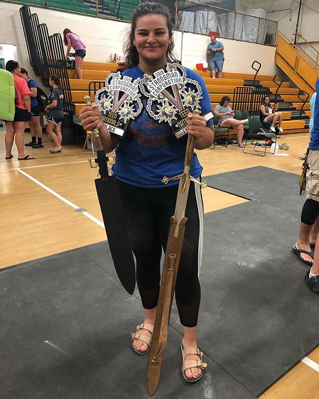Another 1st place winner representing Deadweight! Congrats @the_dalia_lama_ on her achievement for becoming Strongest SHW teen in America and breaking the national record for biggest log press!! - #deadweightstrength #strongman #gym #motivation #1stplace #fitness #instagood #lift
