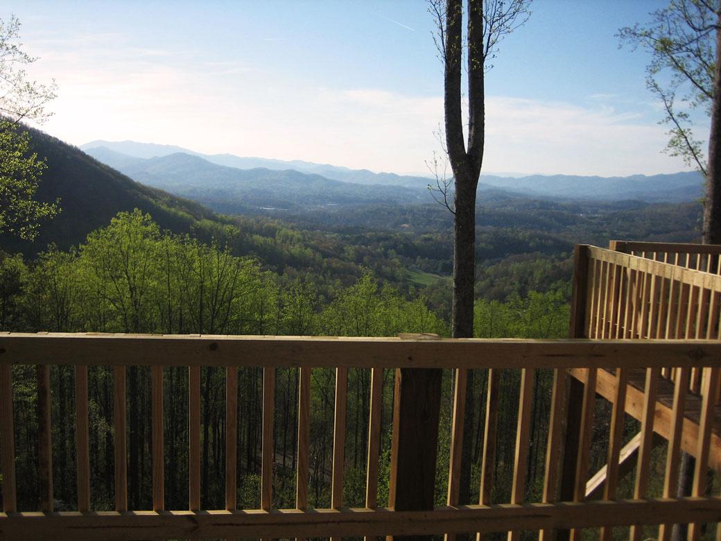 RidgetopQuiltersRetreat_MountainView3.jpg