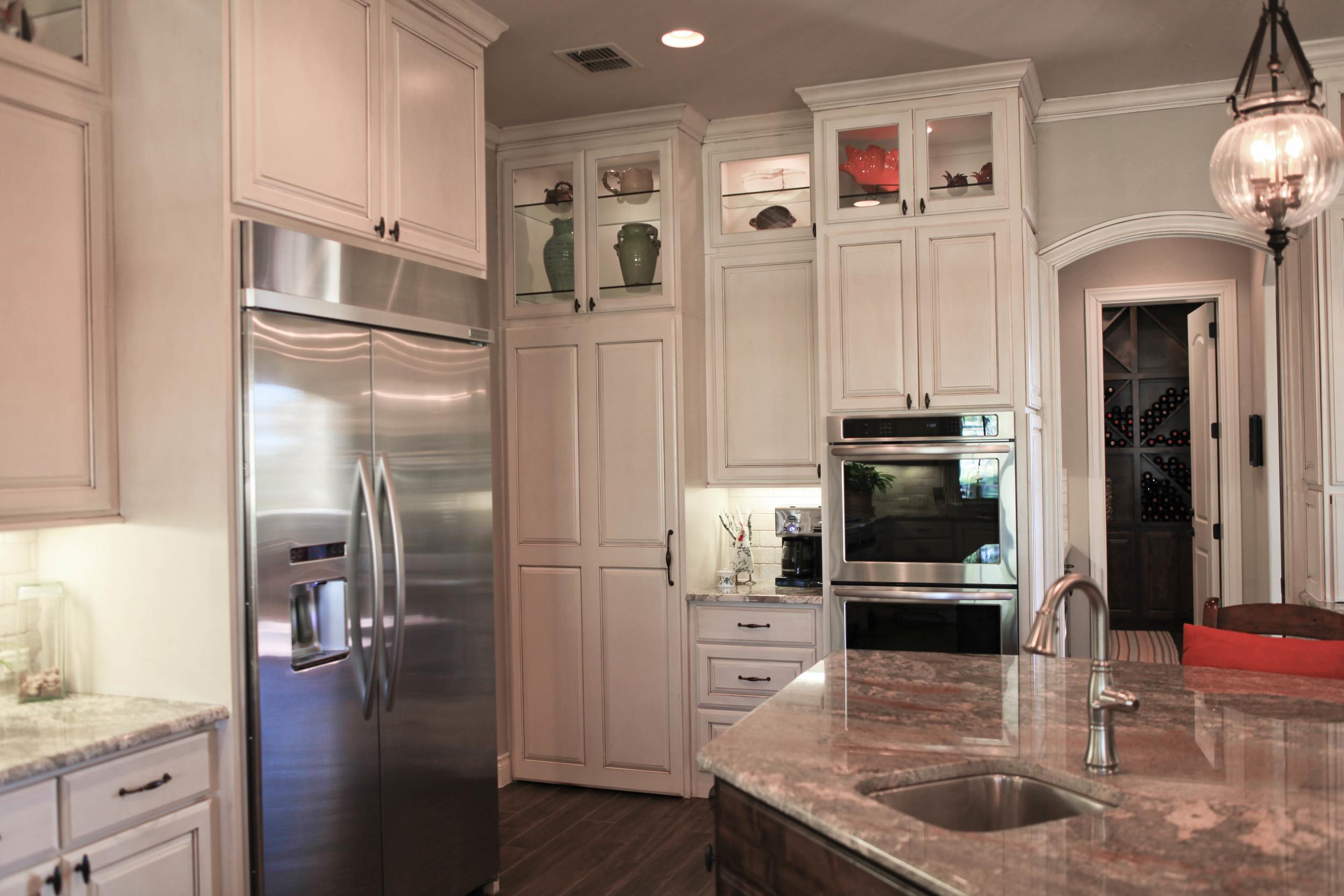 kitchen-hidden pantry 2.jpg