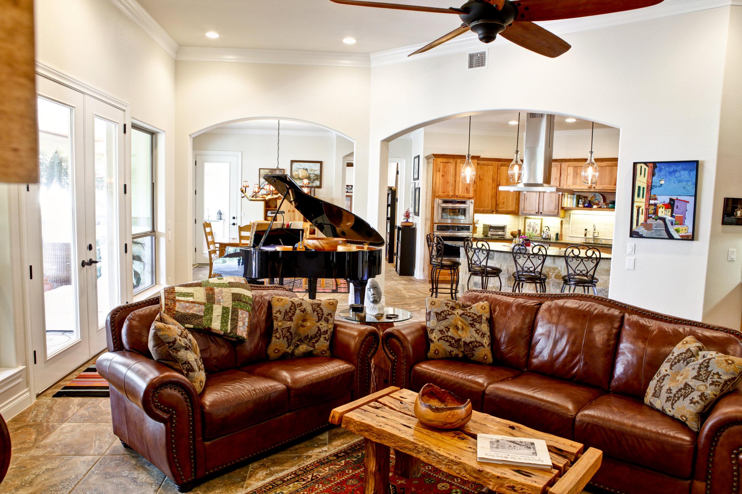 living room - 2.jpg