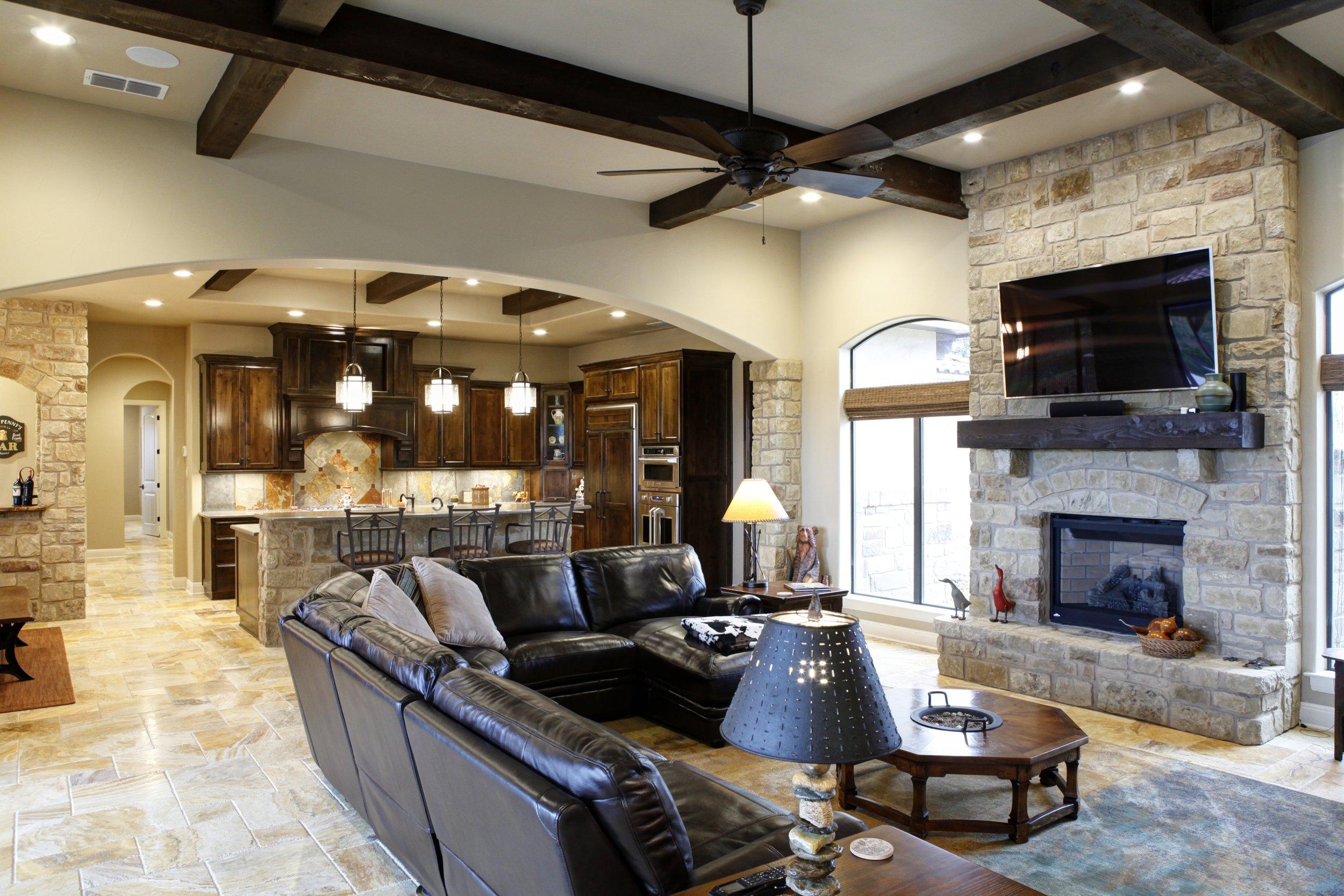 6-living room - 1.jpg