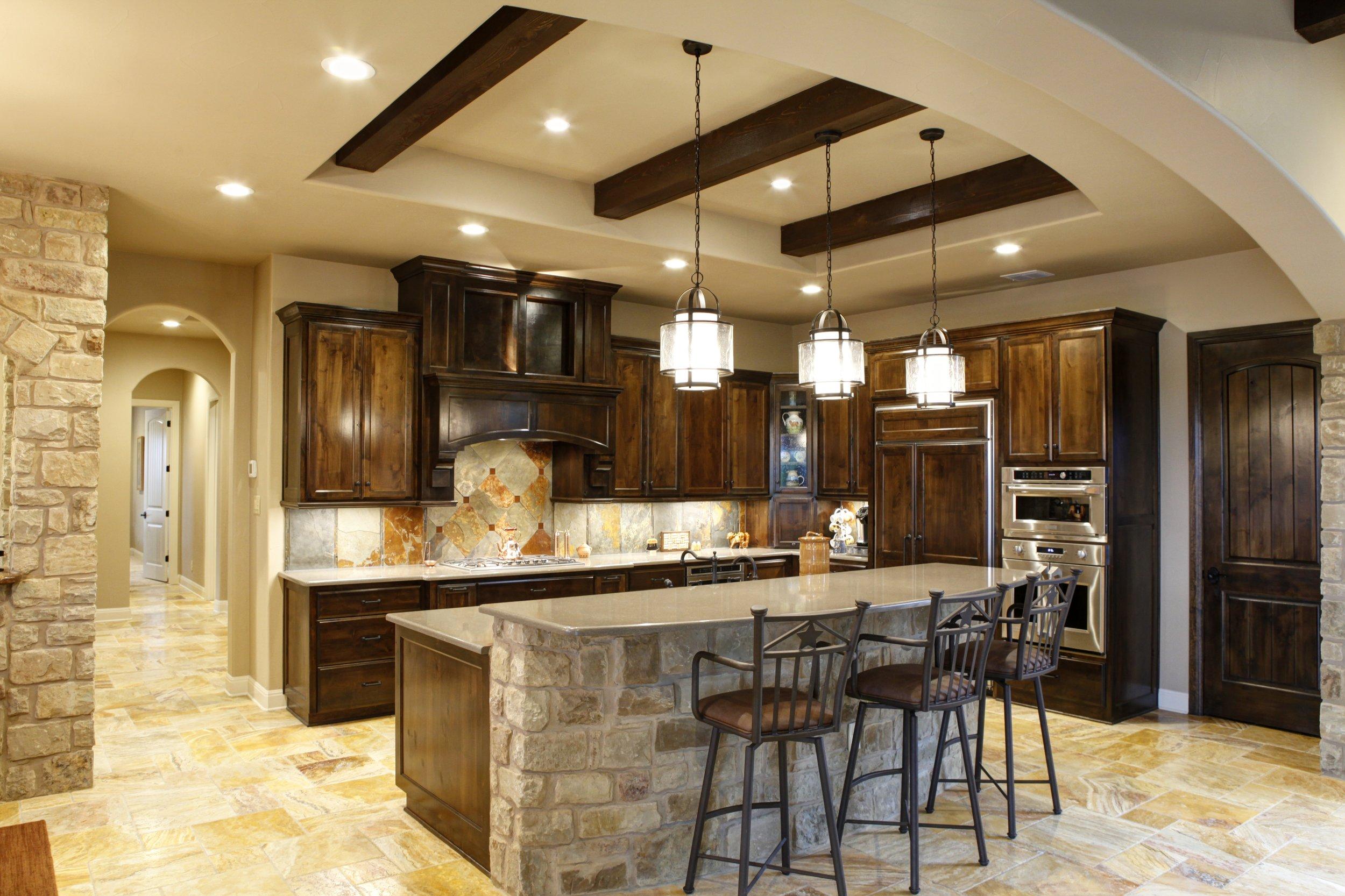 7-kitchen - 1.jpg