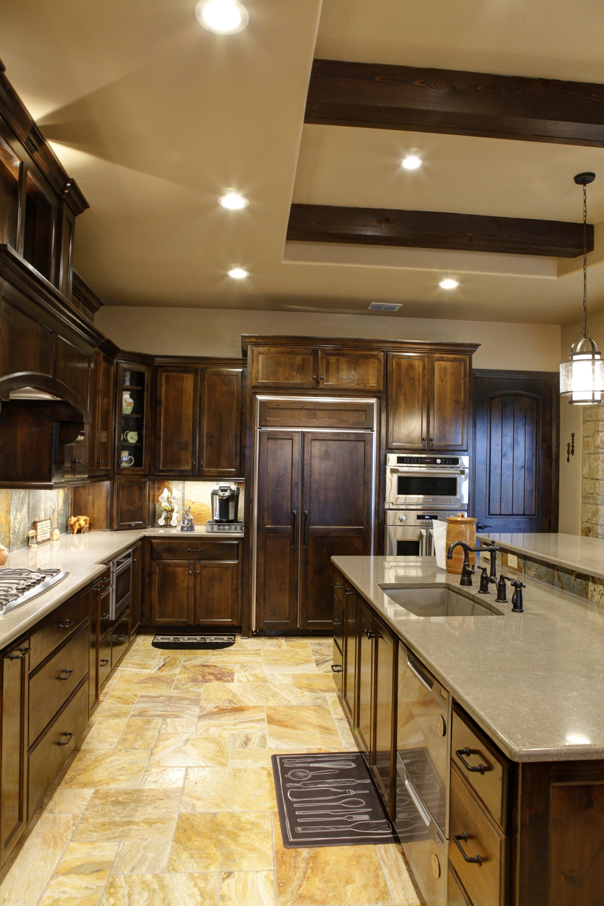 8-kitchen - 2.jpg