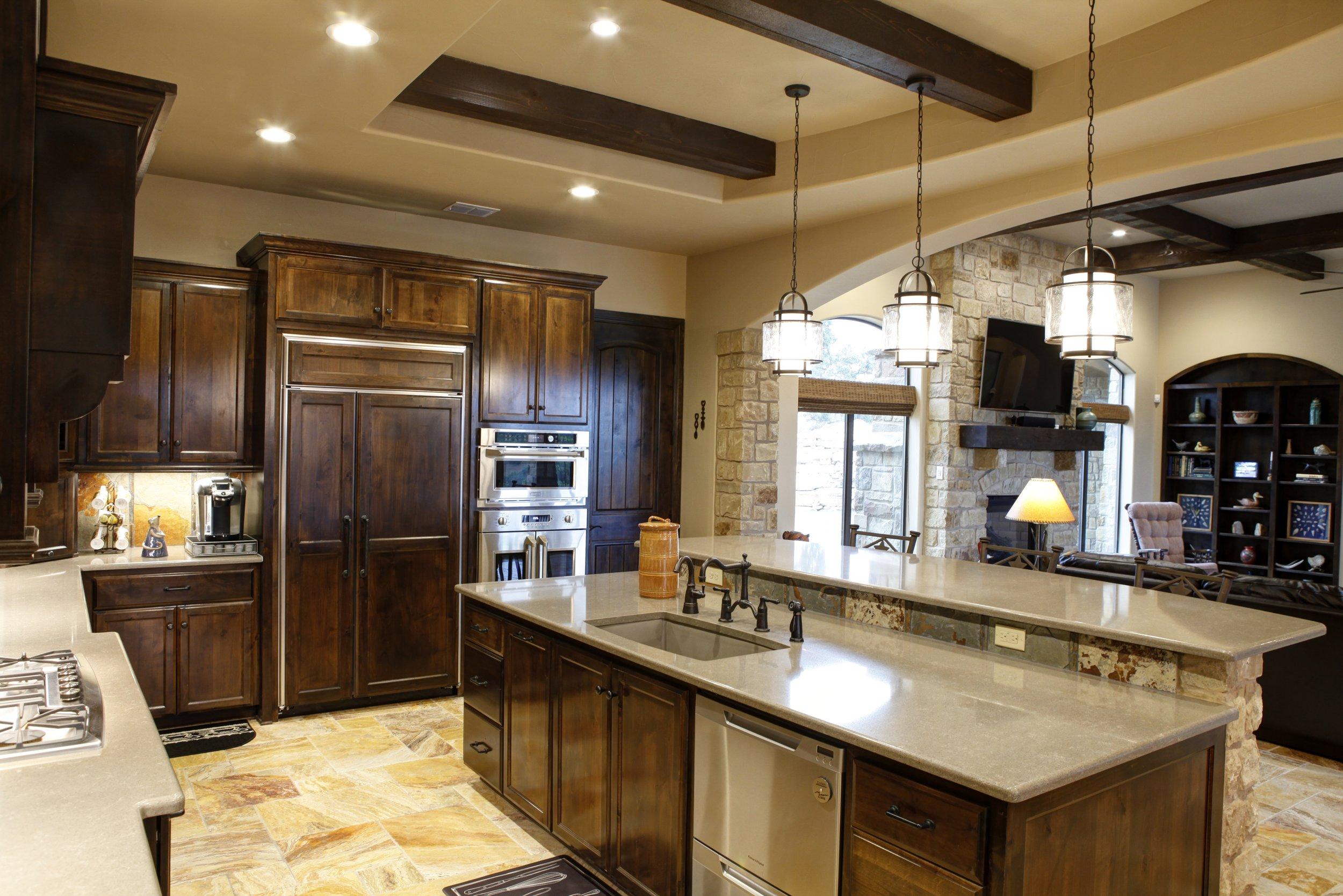 9-kitchen - 3.jpg