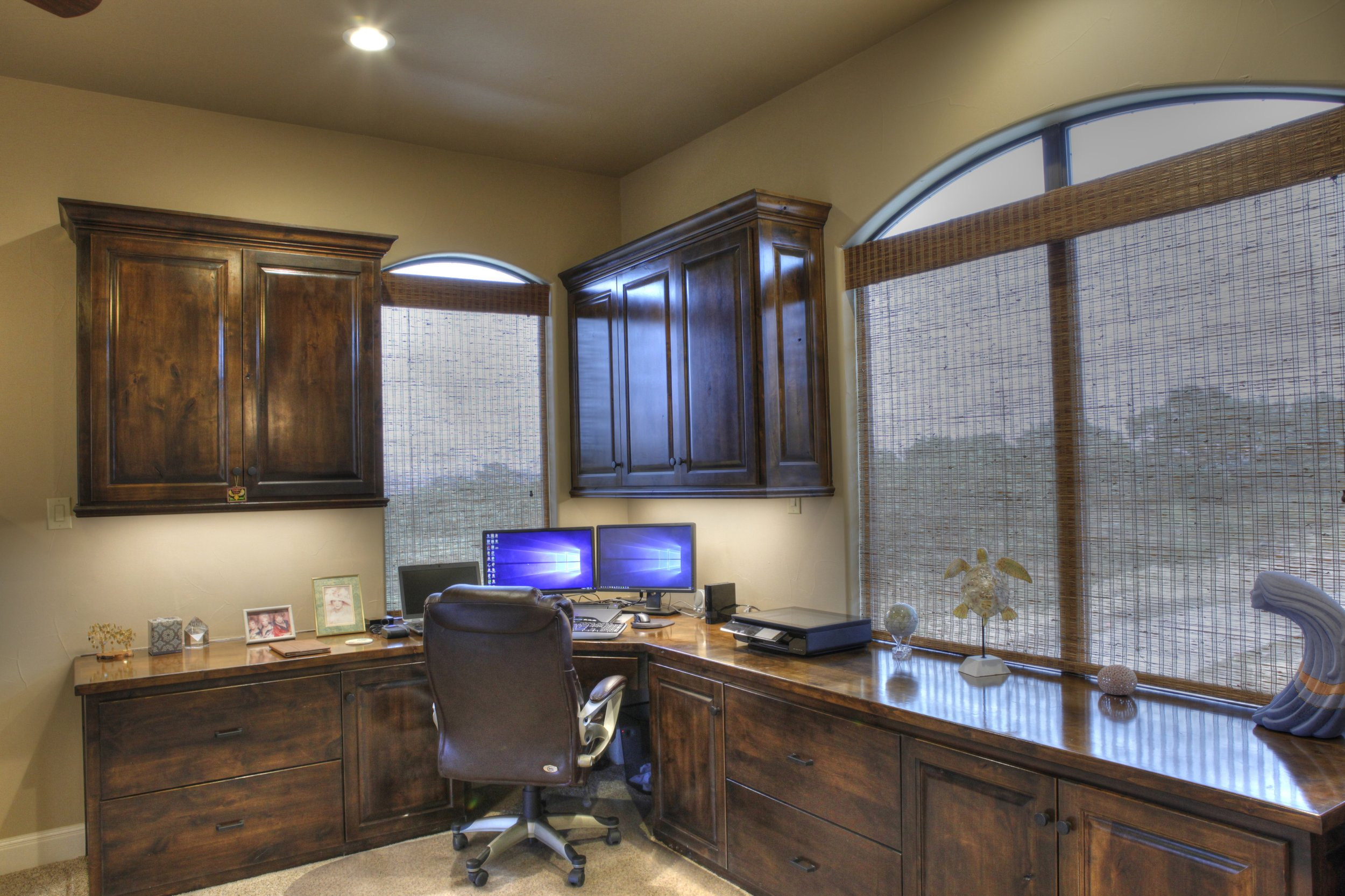 27-office - 2-2-hdr.jpg