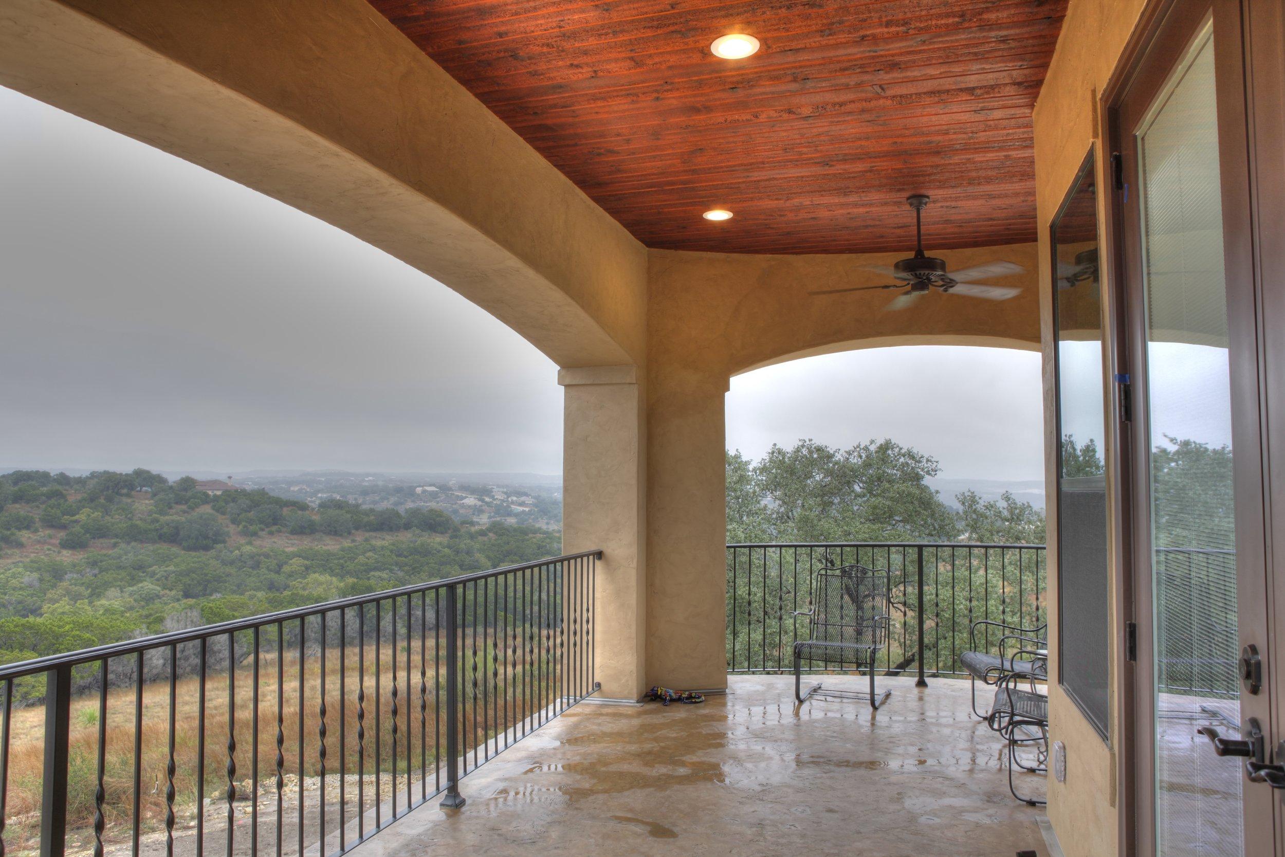 30-Balcony - 1-hdr.jpg