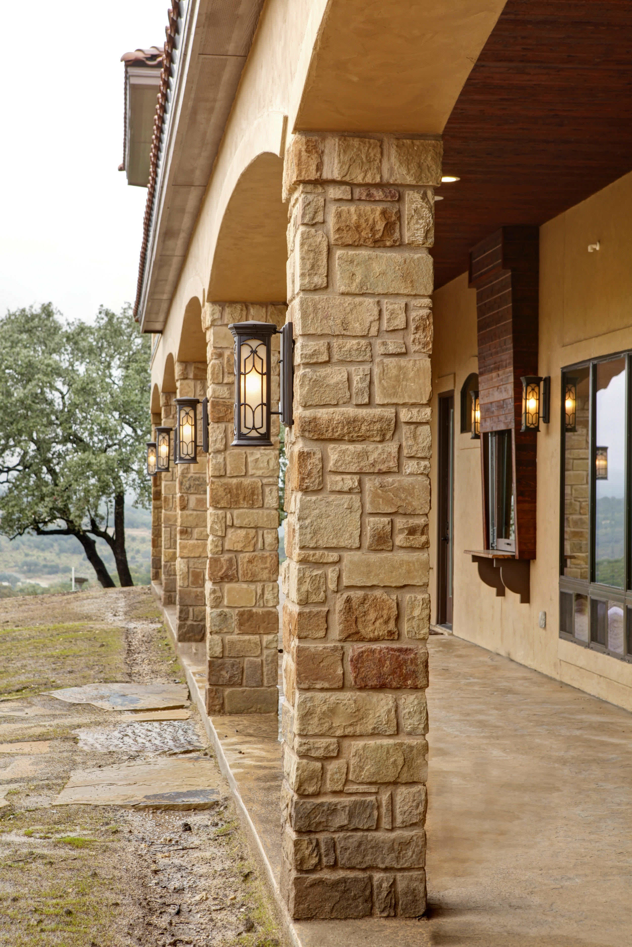 31-exterior back patio - arches - 3.jpg