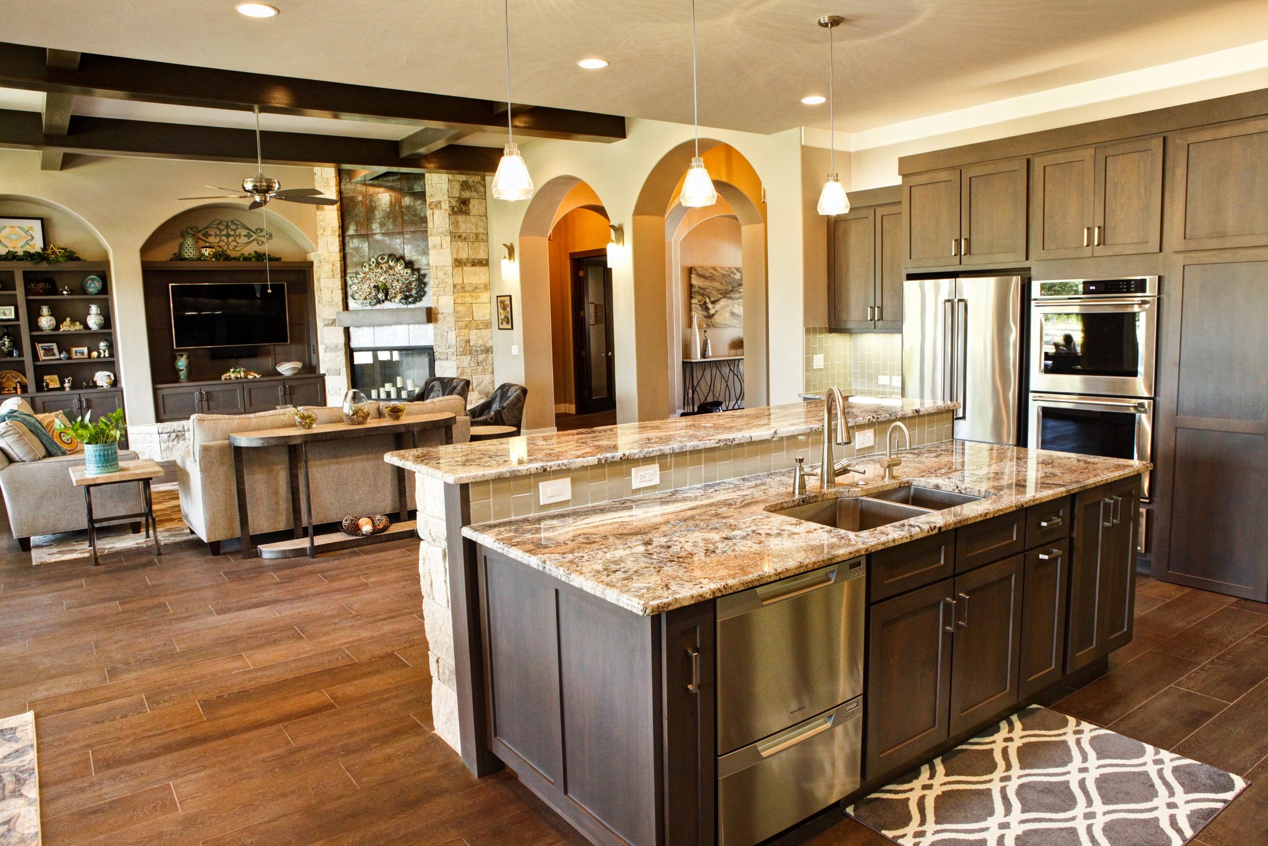 17-kitchen - 4.jpg