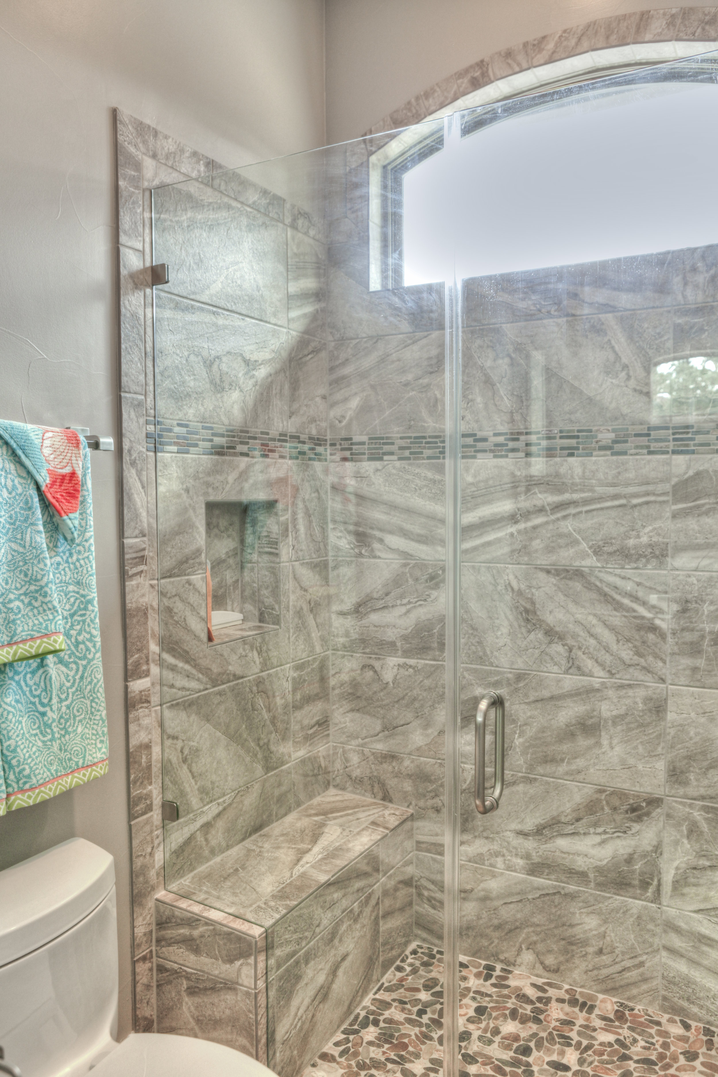 24-guest bath - 3.jpg