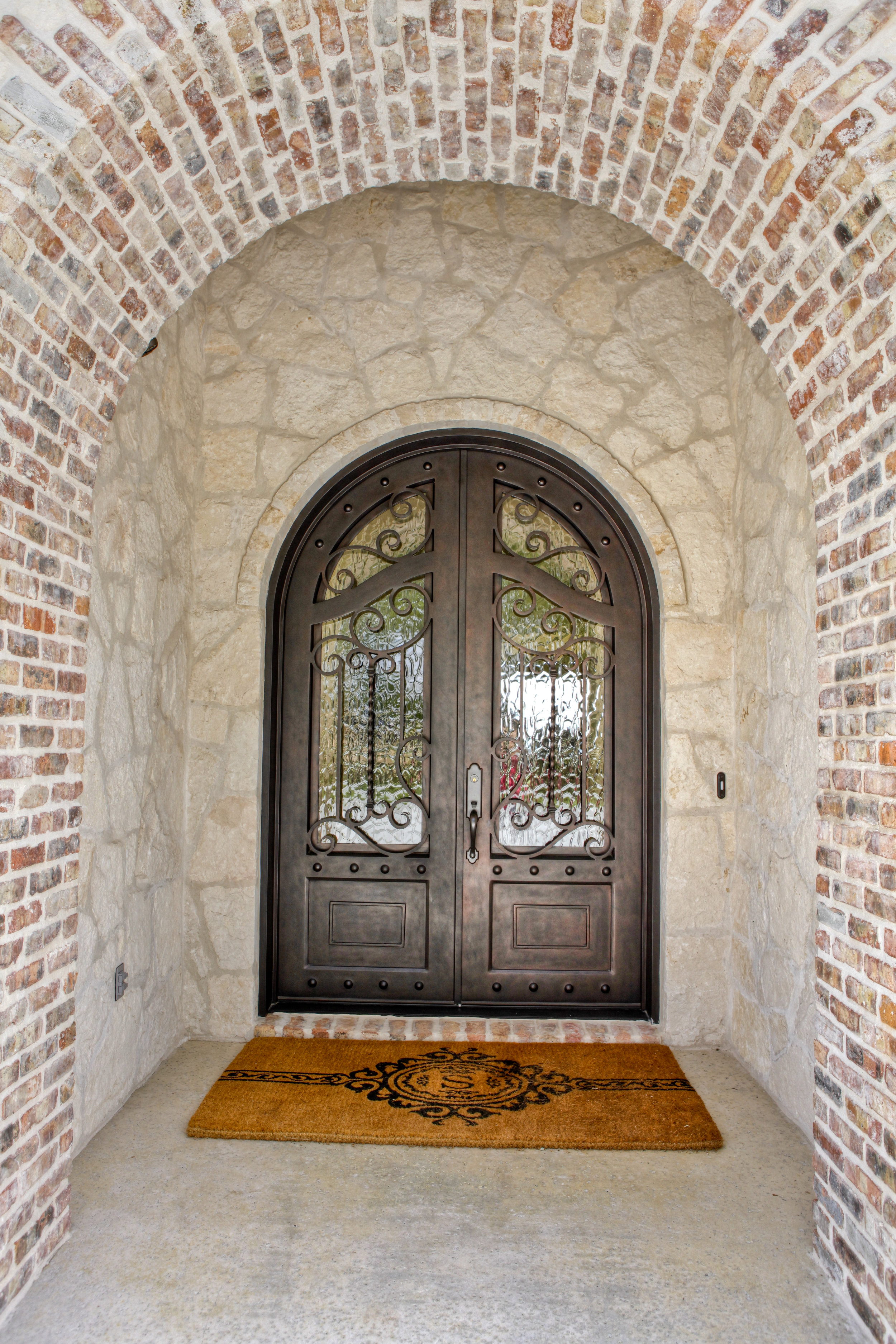 5-exterior - front - entry 2.jpg