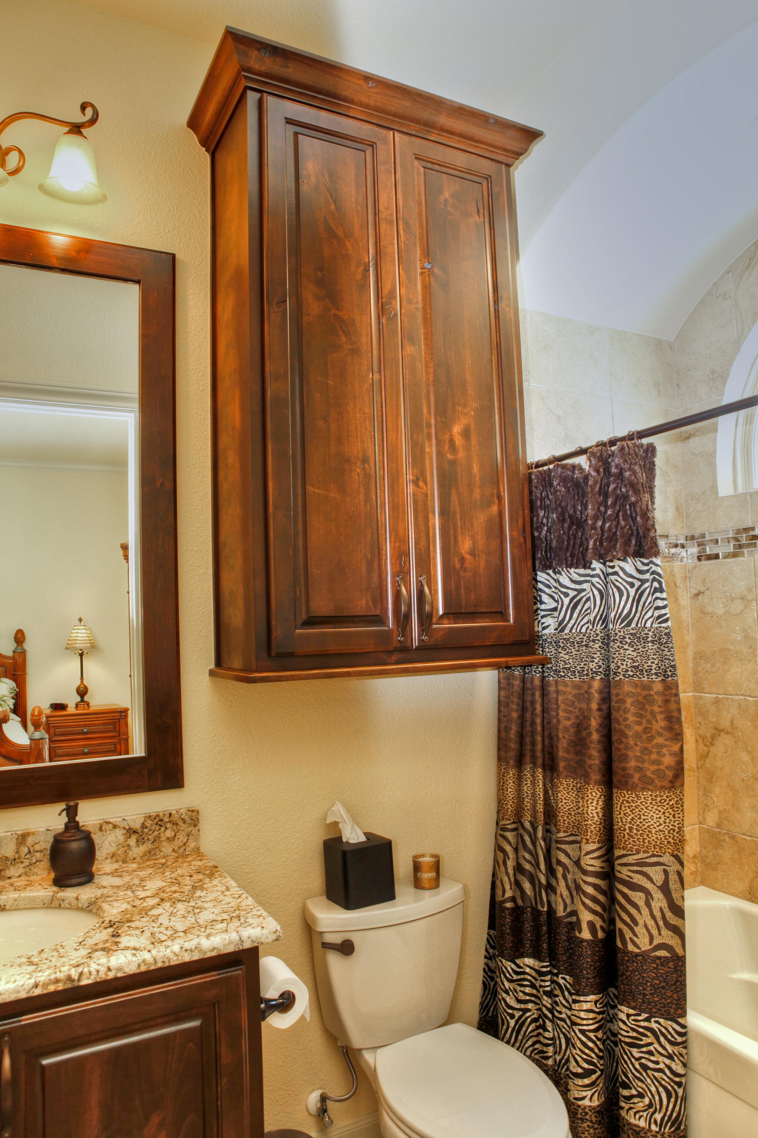 22-guest bath 1.jpg