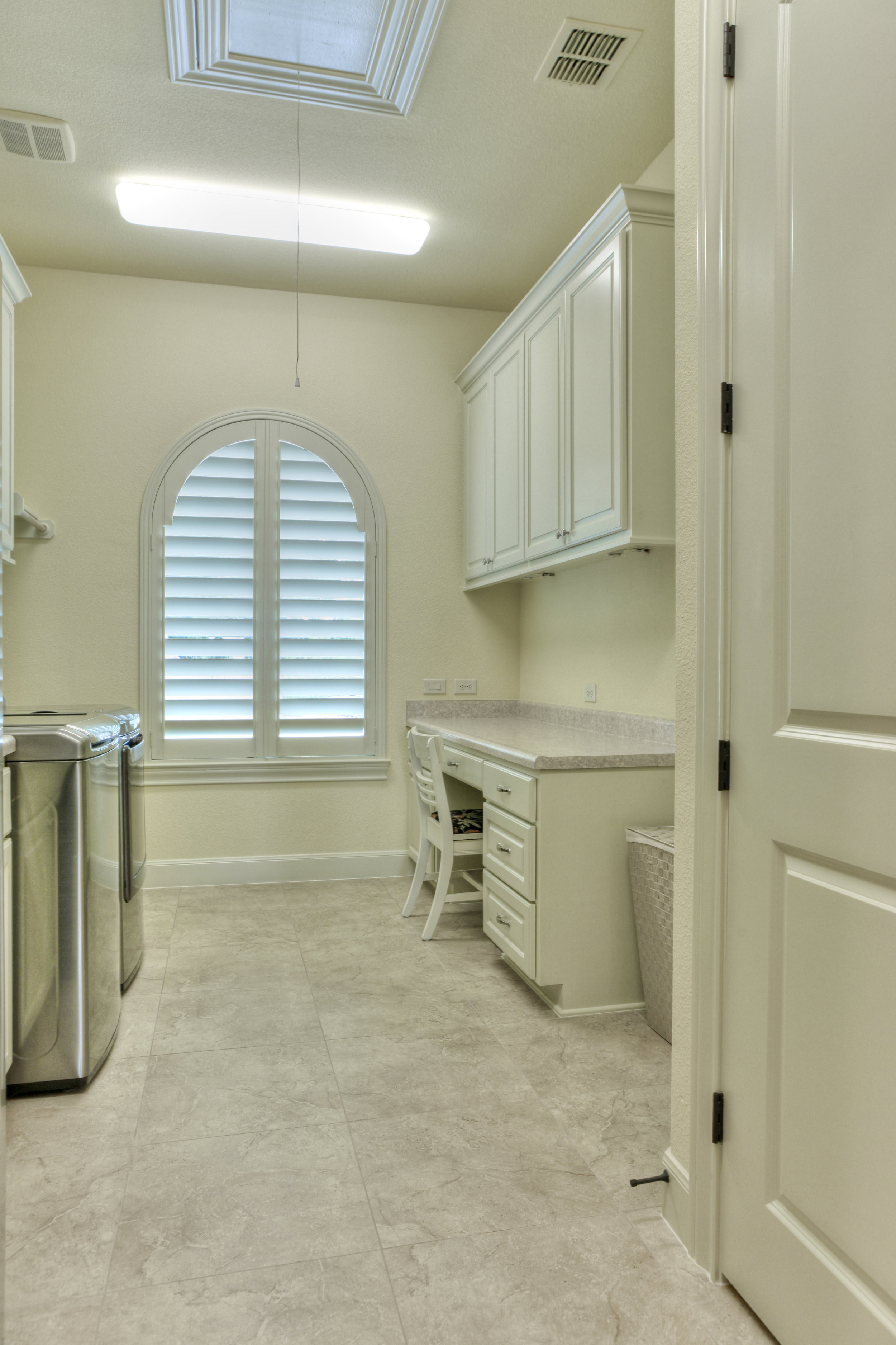 20-utility room 2.jpg