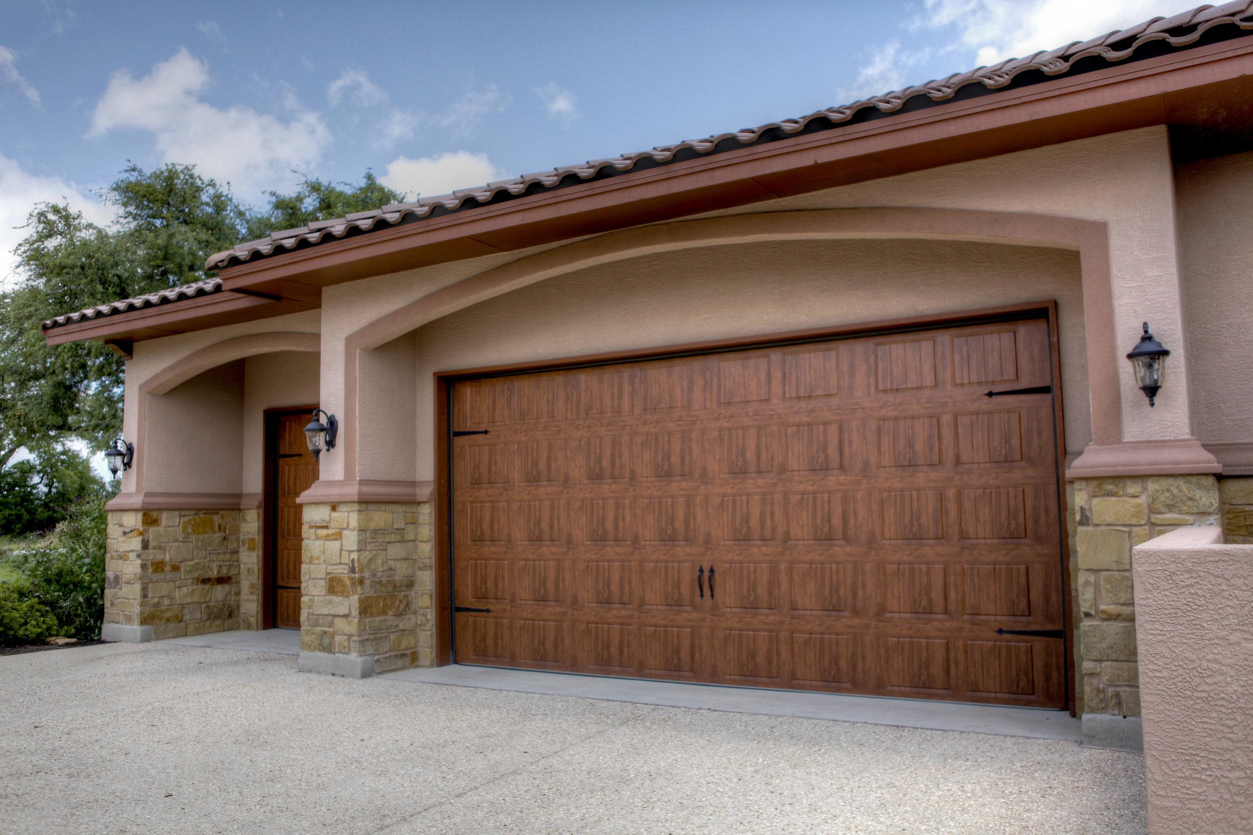 6-exterior - front - garage.jpg