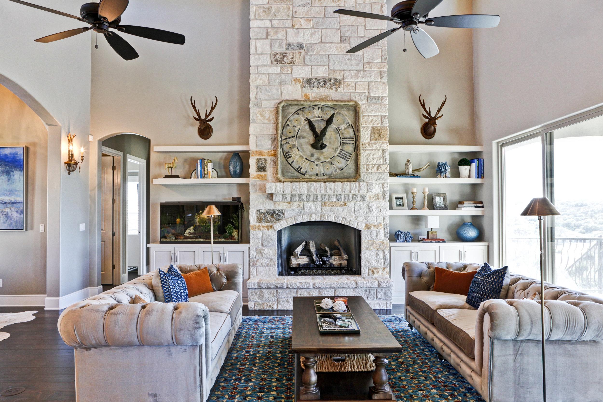 22-living room - 2.jpg