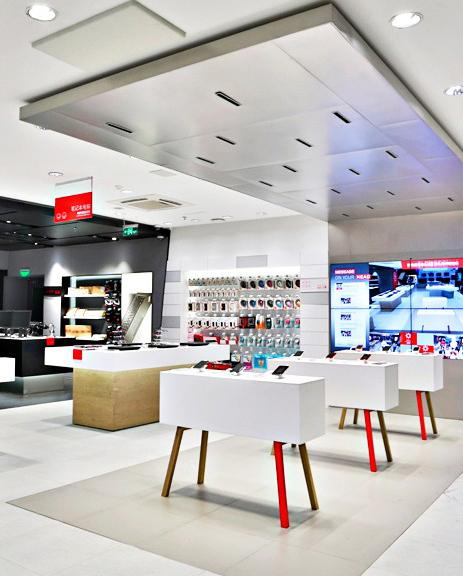 Lenovo-electronic-shelf-labels-instore-4.jpg