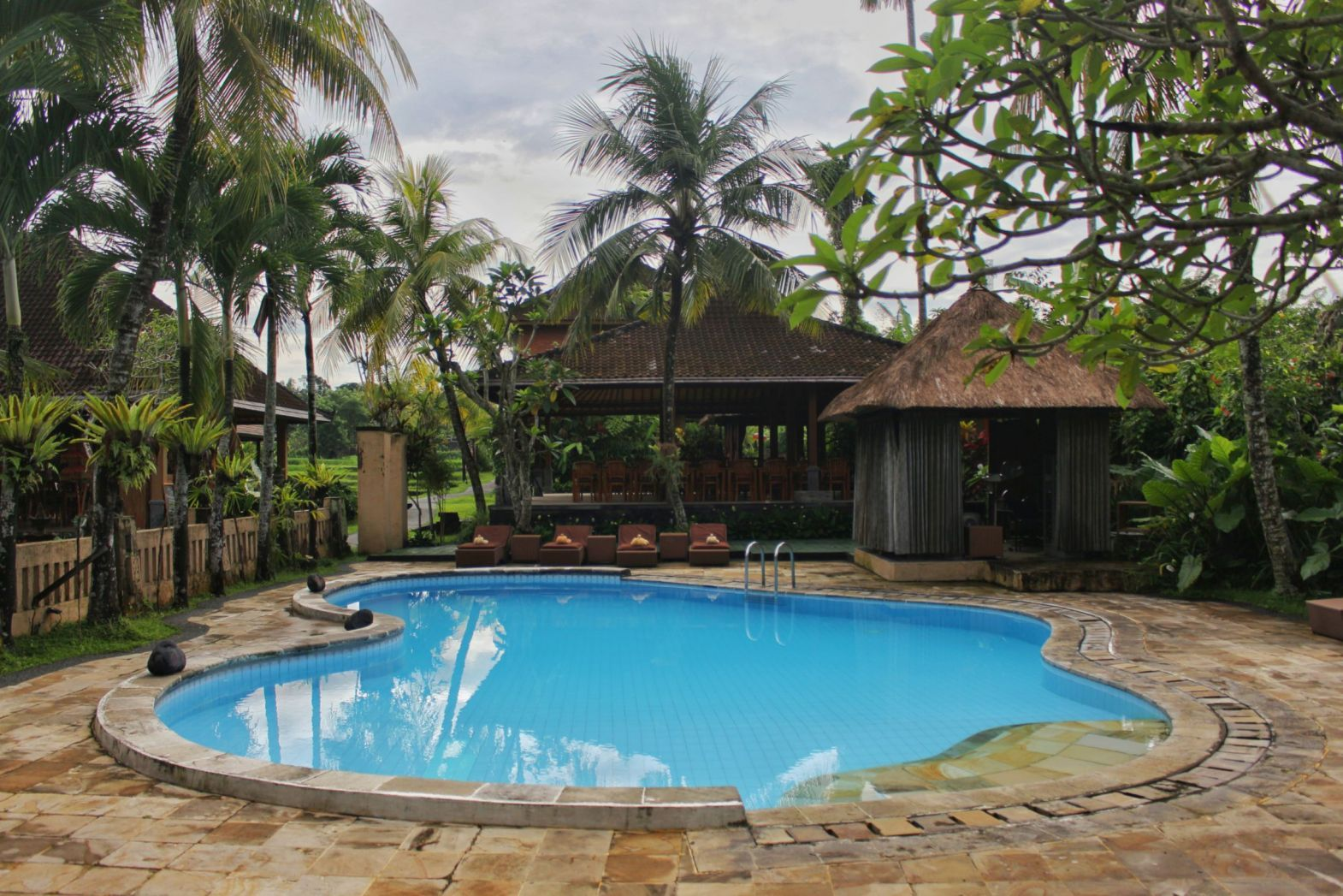 SWIMMING-POOL1-saren-indah-ubud-hotel.jpg