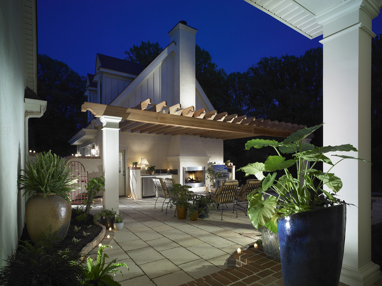 BurrowsRidge Outdoor Terrace.jpg