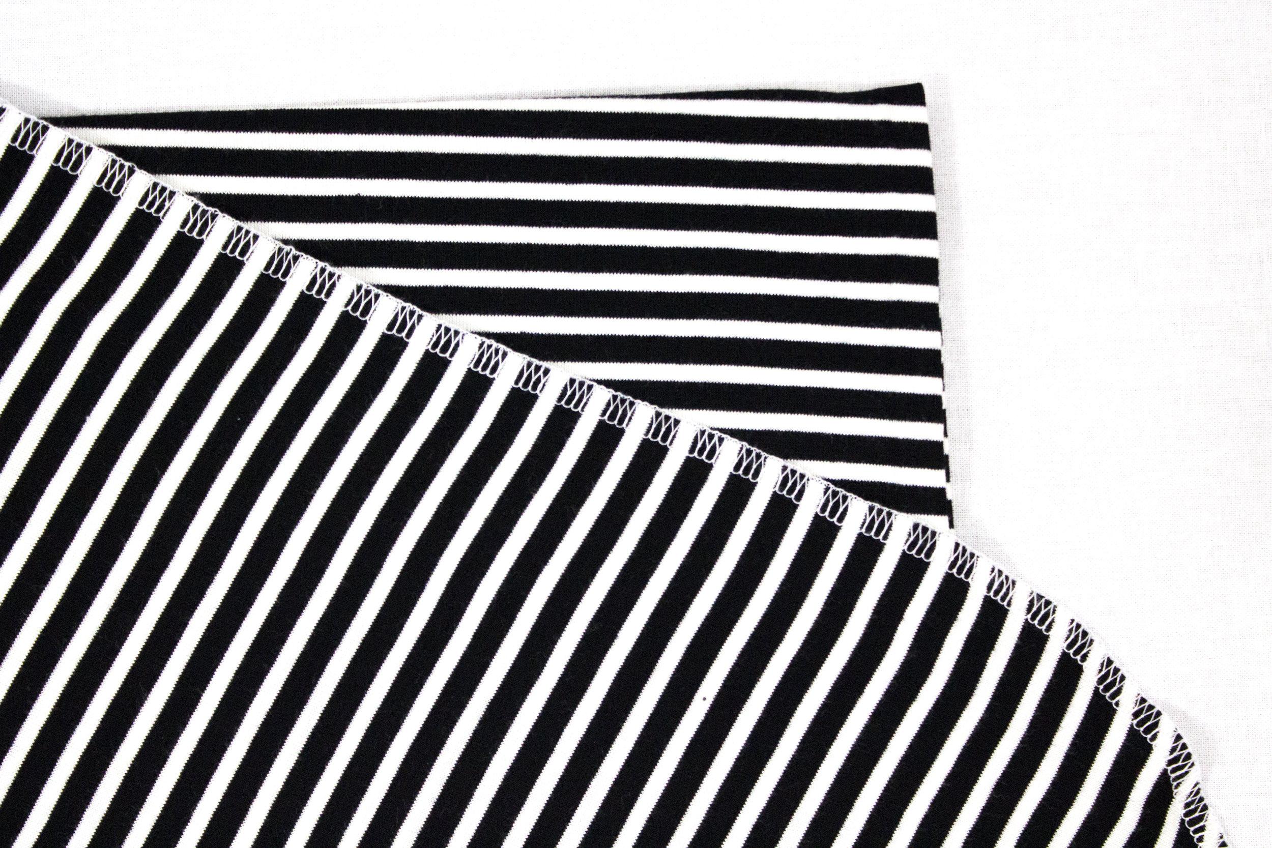 stripe swaddlw