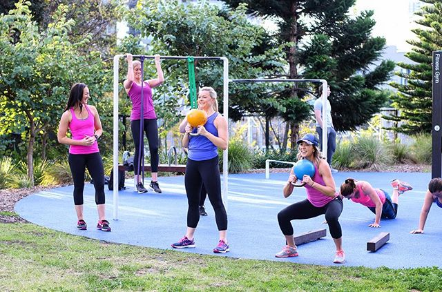 Reminder that going into the Winter months we are back to just our 6:15PM Strength session on Wednesday nights. Rain or shine, we will be in #princealfredpark getting all the gains! 💪✨👊⠀ ⠀ See you tonight with @allisonkearns as she puts you through your paces! ⠀ •⠀ •⠀ •⠀ #shiftwellbeing #PARKSWEAT #kickasswomen #surryhillsfitness #outdooradventures #fitness #grouptraining #outdoorfitness #outdoorwomen #fitspo #thiswomancan #thisgirlcan #nikewomen  #sydneycommunity #surryhillslife #sydneycbd #sydneylocal #groupfitness #fitlifestyle #funfitness #fitnessgoals #girlswholift #strengthtraining