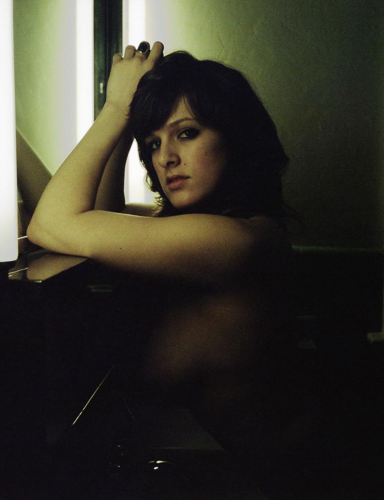 gtrimble-nix-nude-environmental-portrait-20110521-02.jpg