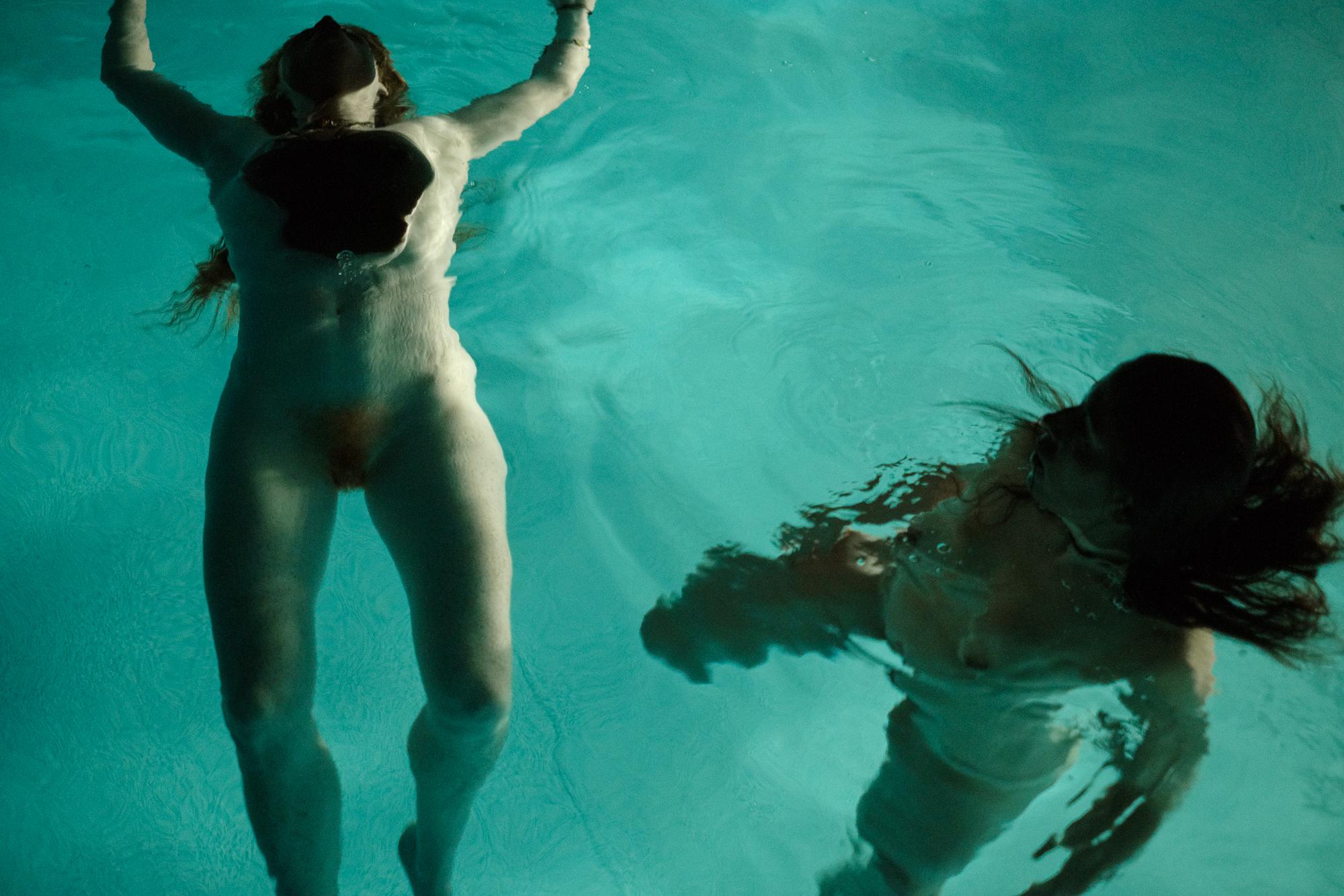 20170619-Ariane-Cassidy-Hannah-swimming-pool-X-Pro2-0158-Edit.jpg