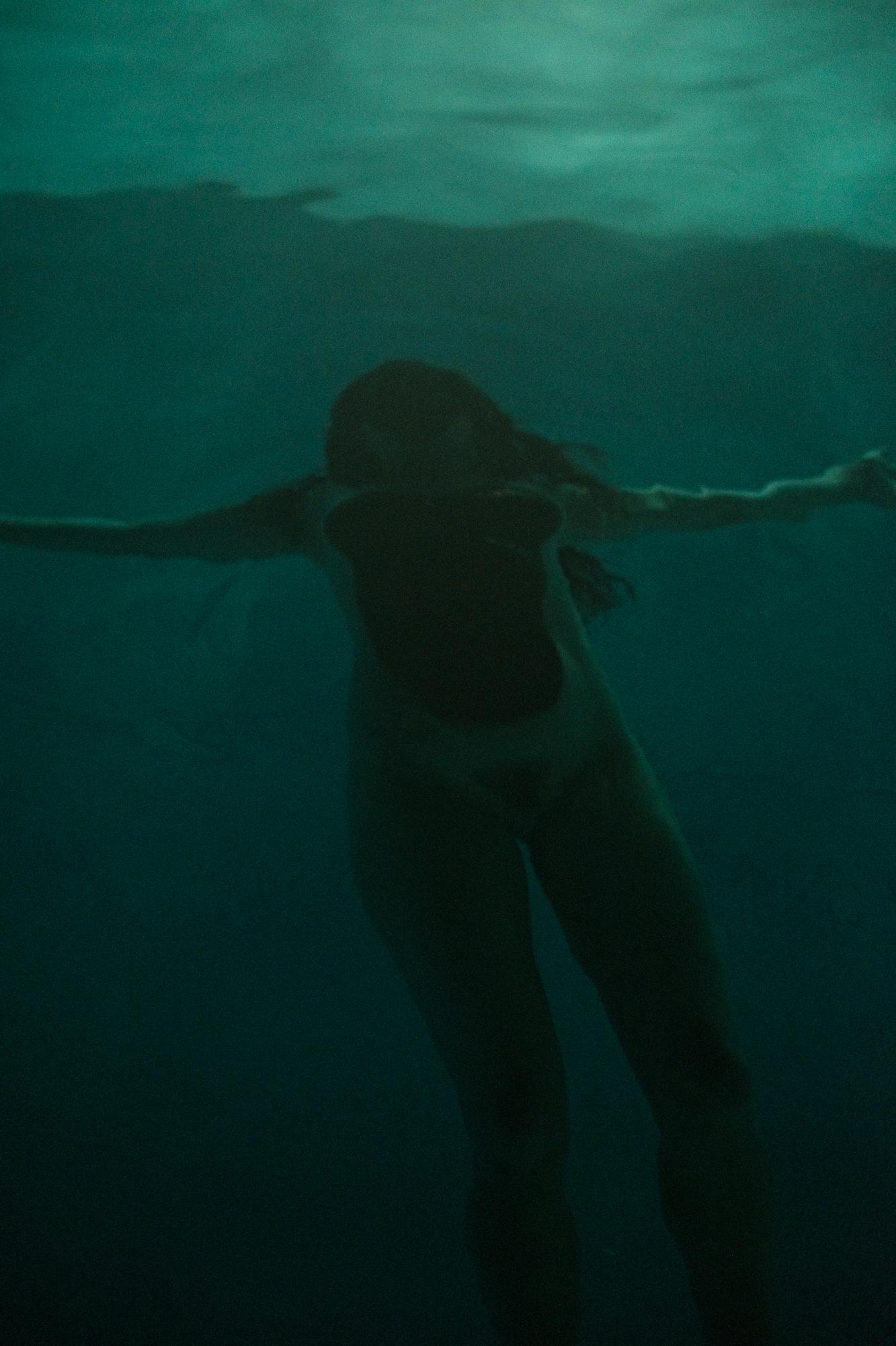 20170619-Ariane-Cassidy-Hannah-swimming-pool-X-Pro2-0323-Edit.jpg