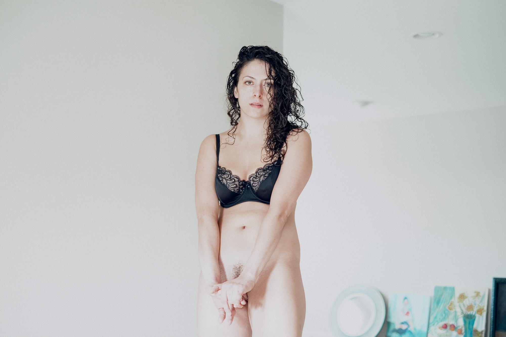 20180207-Hannah-bedroom-black-bra-X-Pro2-0012-Edit.jpg