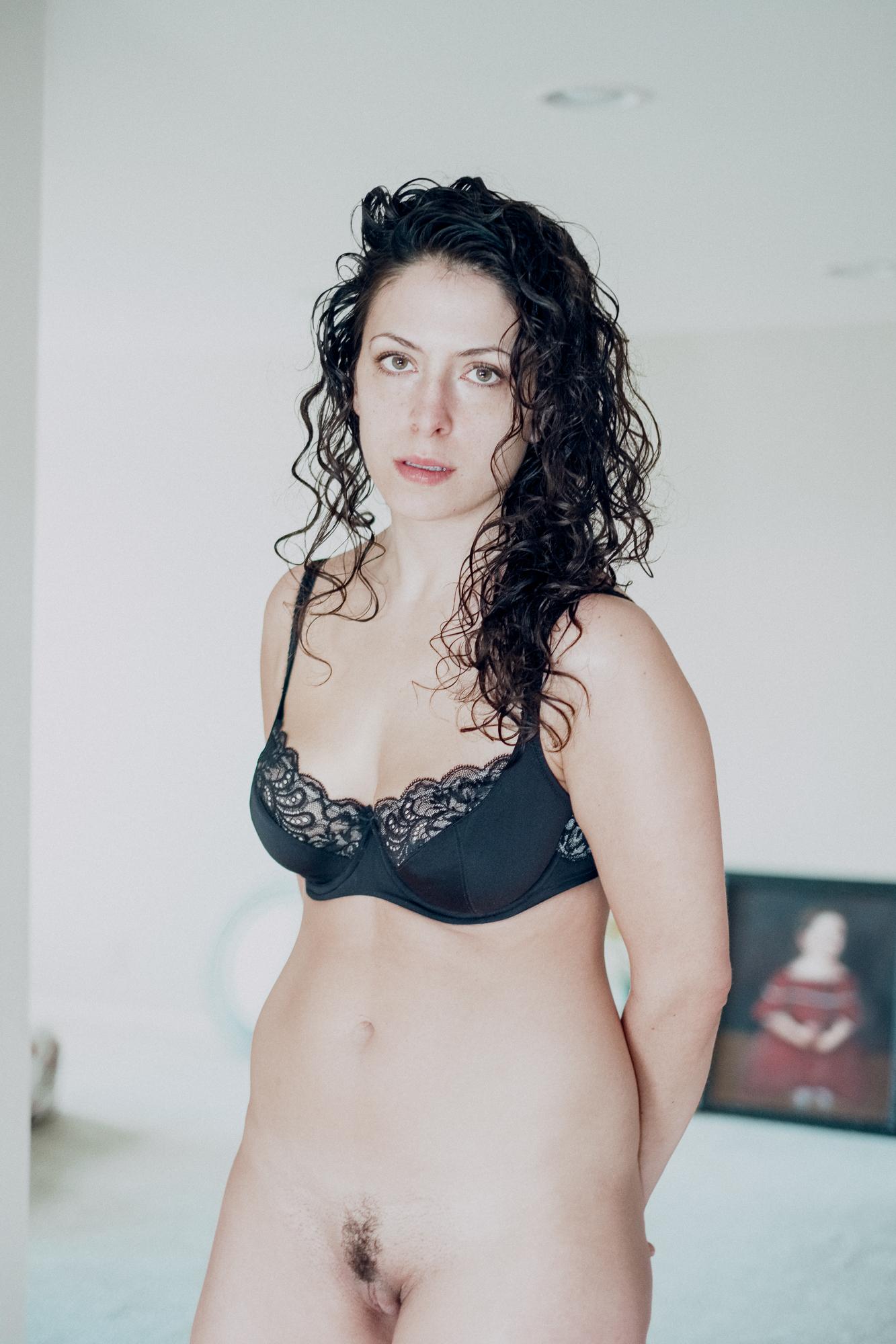 20180207-Hannah-bedroom-black-bra-X-Pro2-0027-Edit.jpg