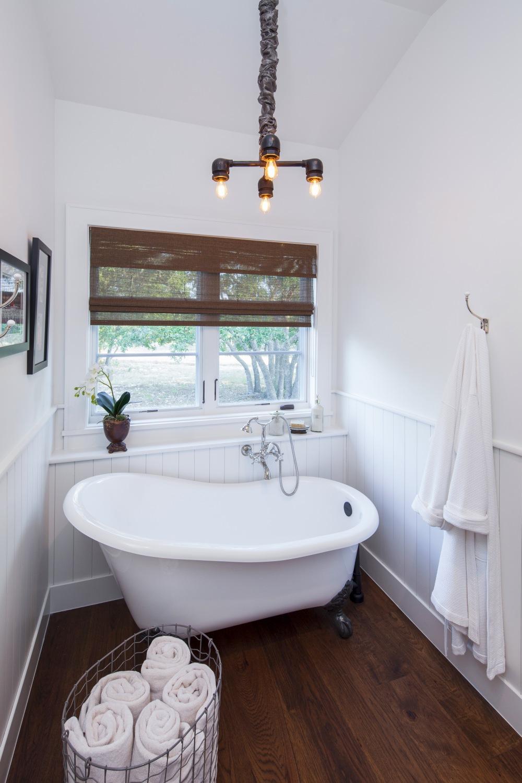Architecture Home Elegant Farmhouse bathroom