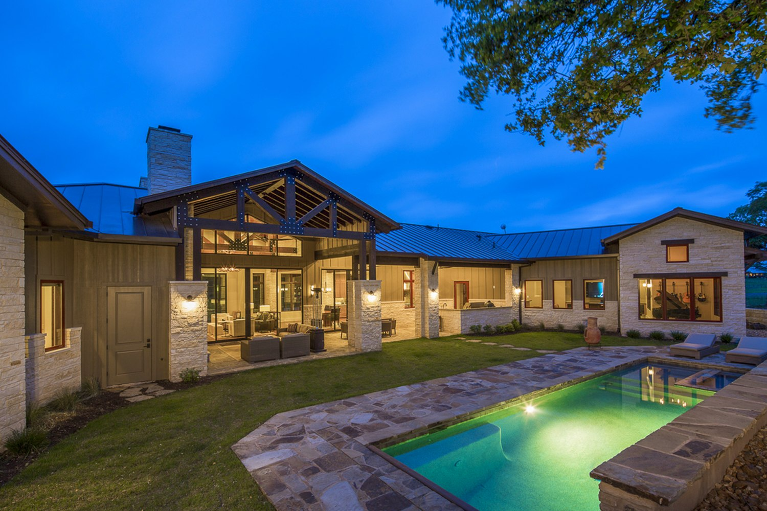 Architecture Home Hill country farmhouse pool