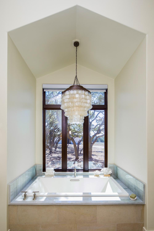 Architecture Home Hill country farmhouse bathroom