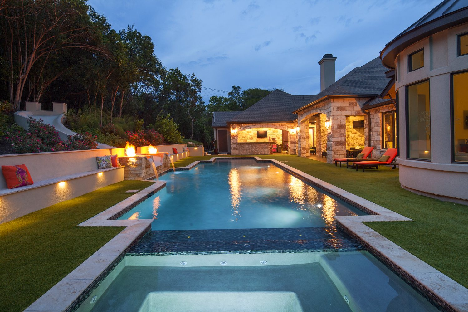 Architecture Home French contemporary pool