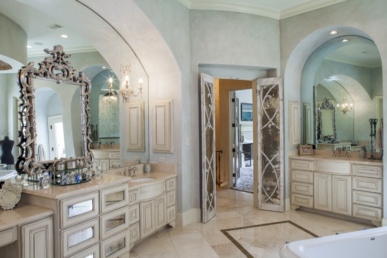 Architecture Home Eclectic old world bathroom vanity