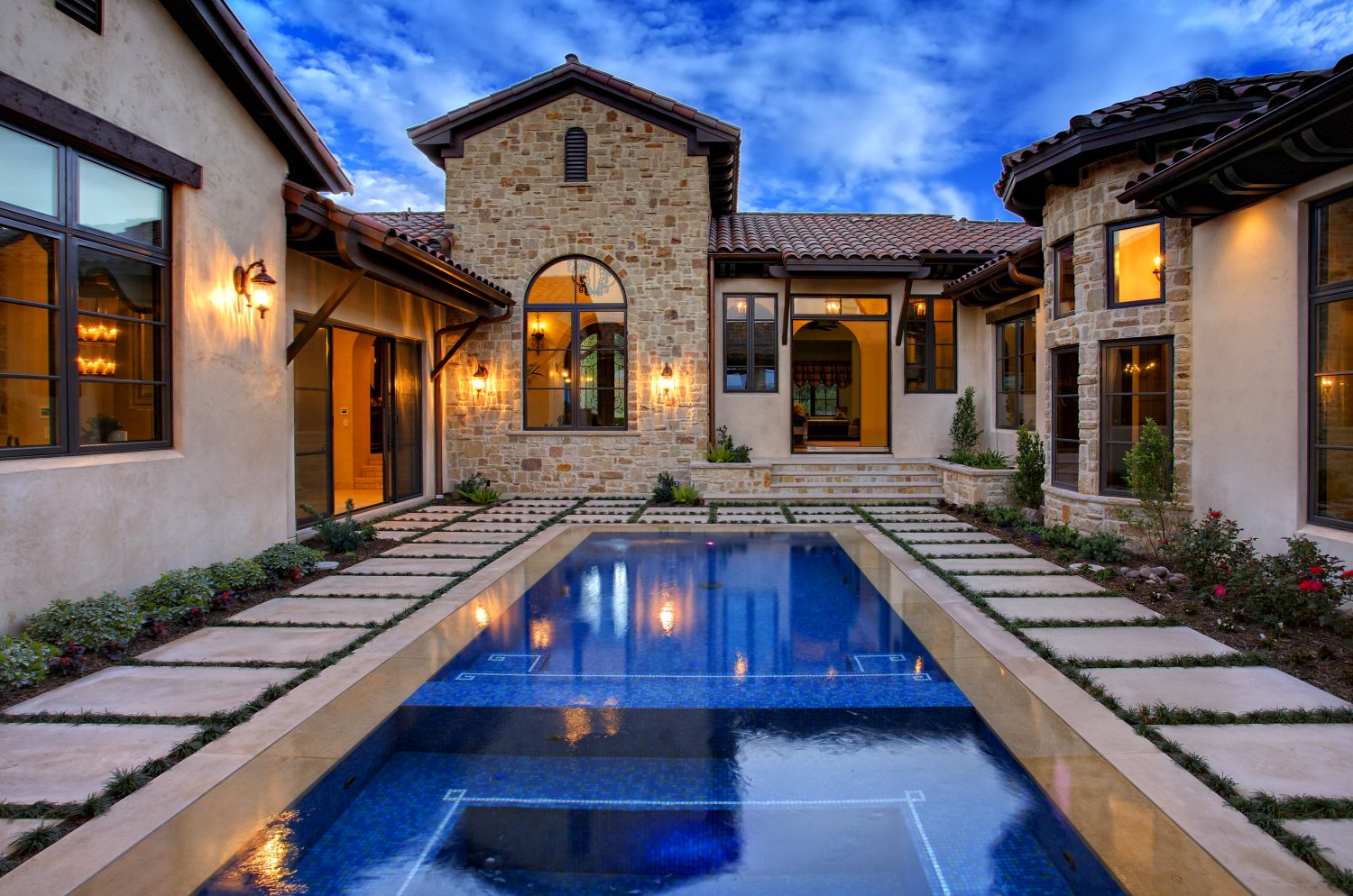 Architecture Home Courtyard retreat pool