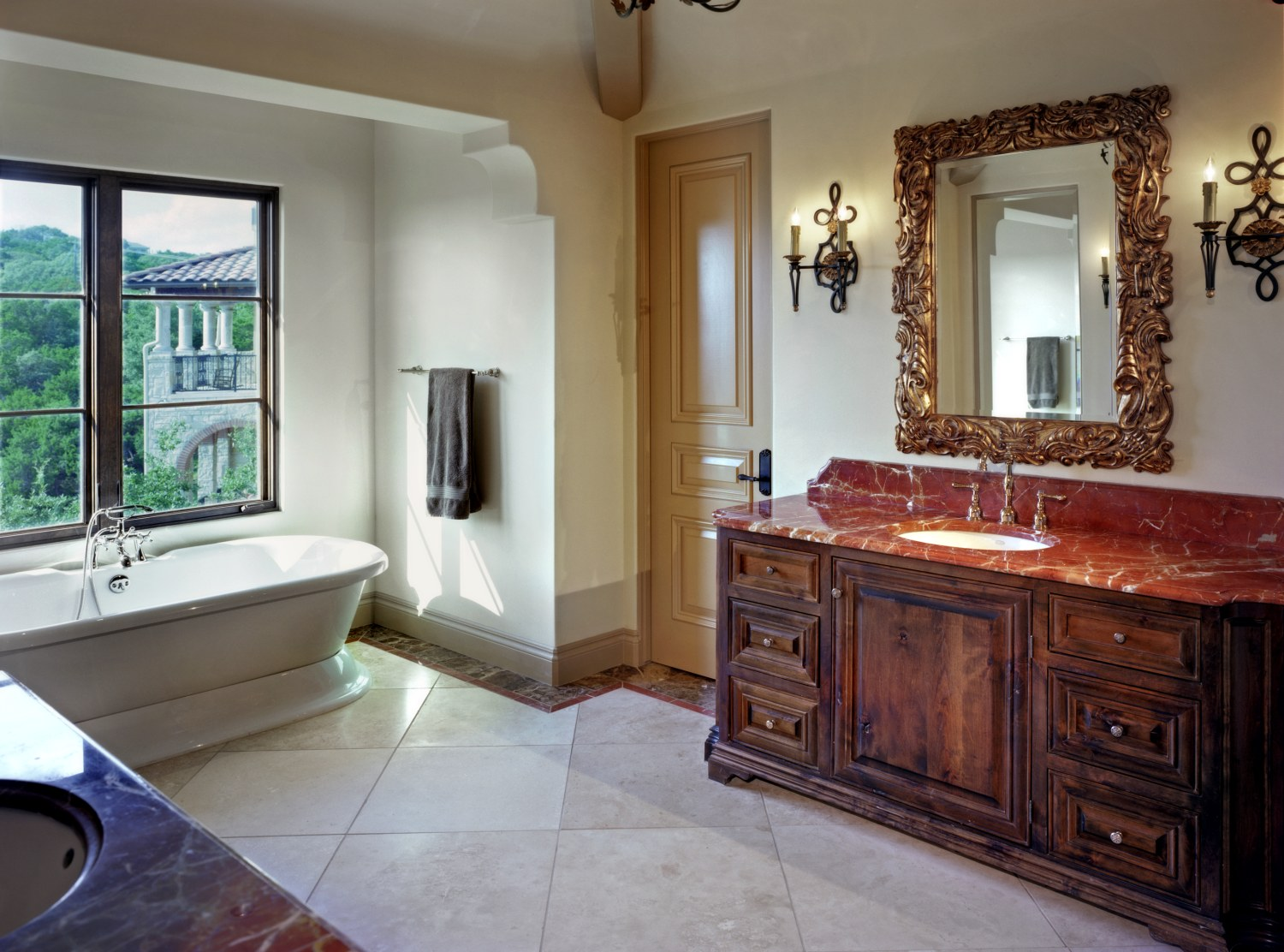 Architecture-Home-Coldwater-Canyon-04-bathroom.jpg