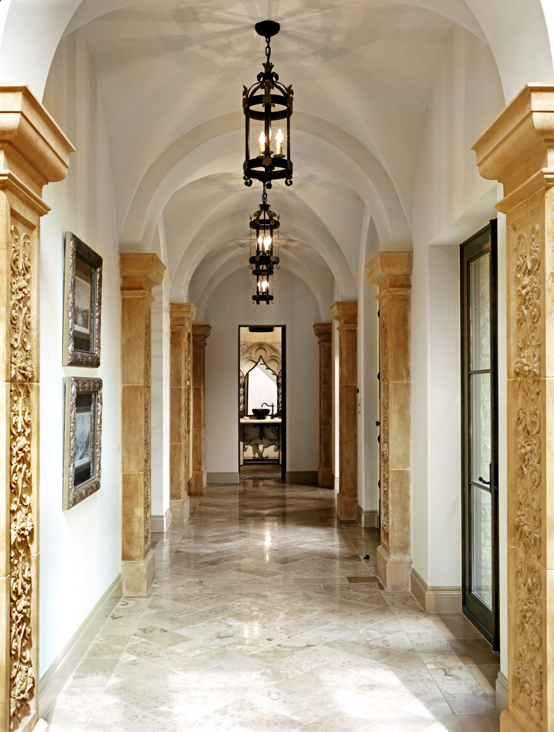 Architecture-Home-Coldwater-Canyon-12-Hallway.jpg