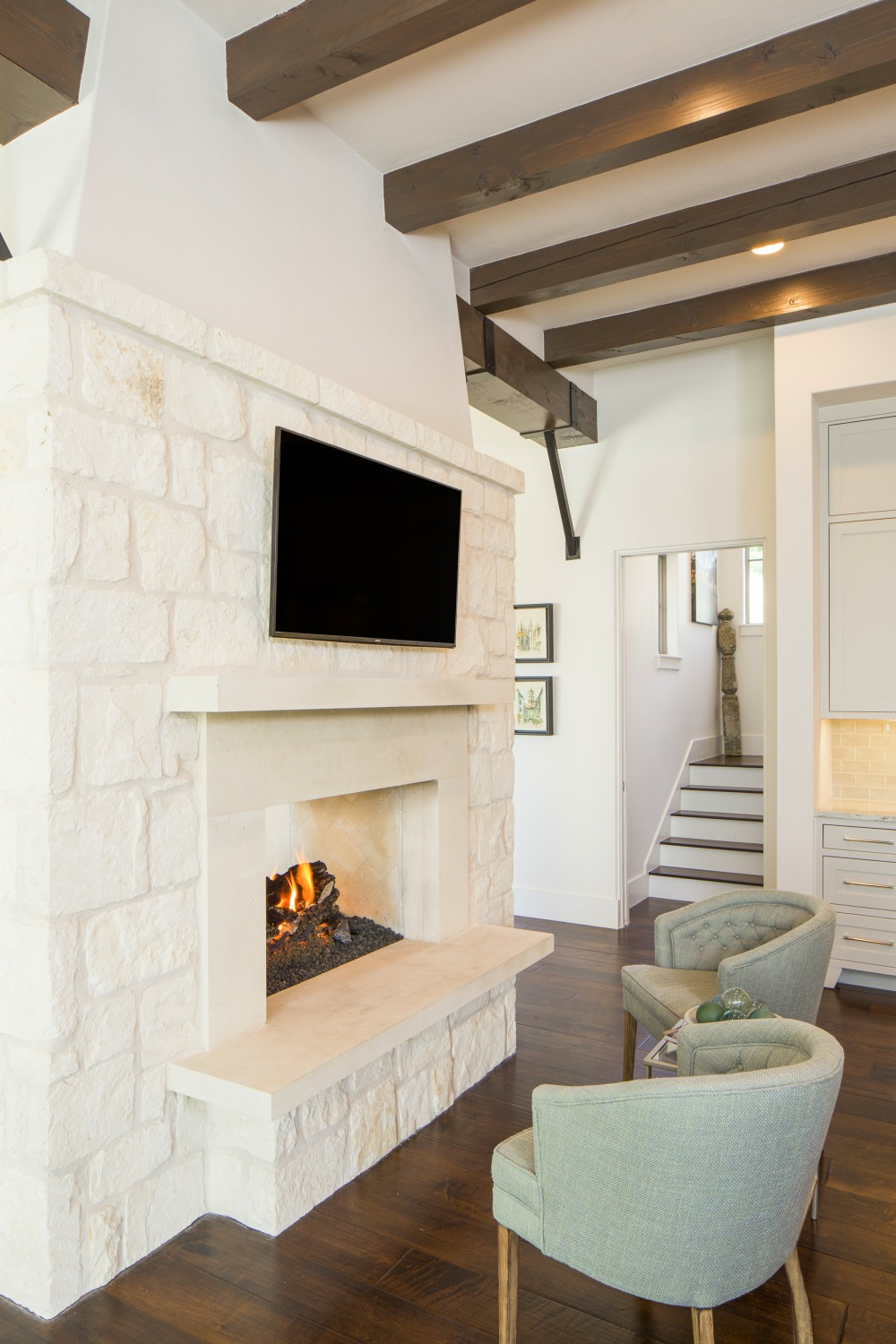 Architecture-Home-Contemporary-European-Farmhouse-03-Fireplace.jpg